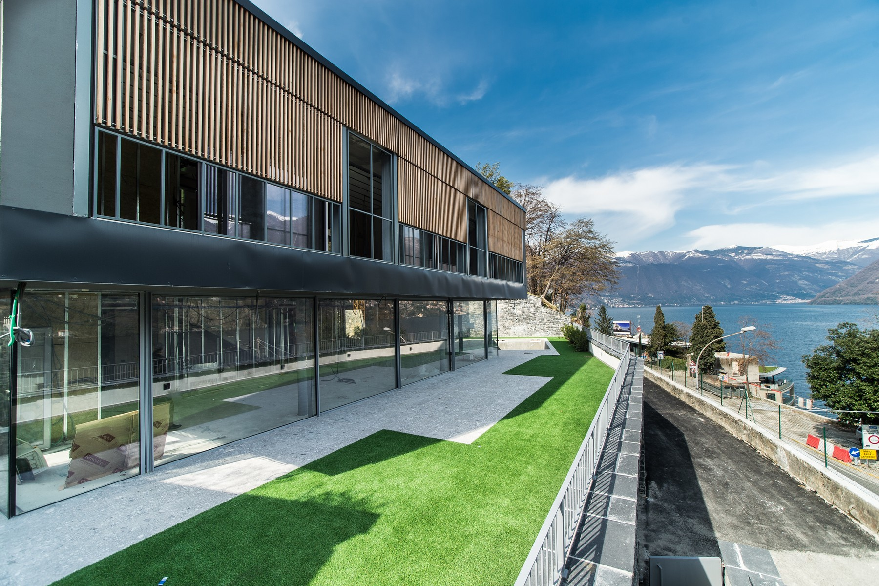Einfamilienhaus für Verkauf beim Prestigious modern villa with private swimming pool and magnificent Lake views Laglio Laglio, Como 22010 Italien