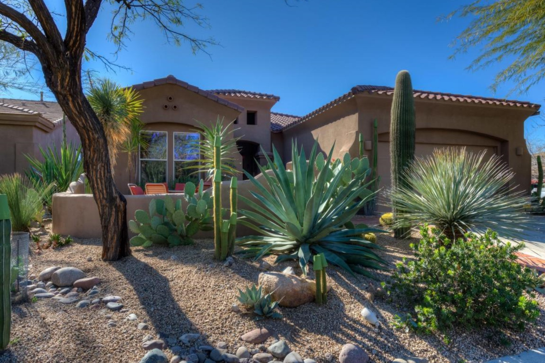 Casa Unifamiliar por un Venta en Immaculate guard gated in Winfield 7305 E Russet Sky Dr Scottsdale, Arizona, 85266 Estados Unidos