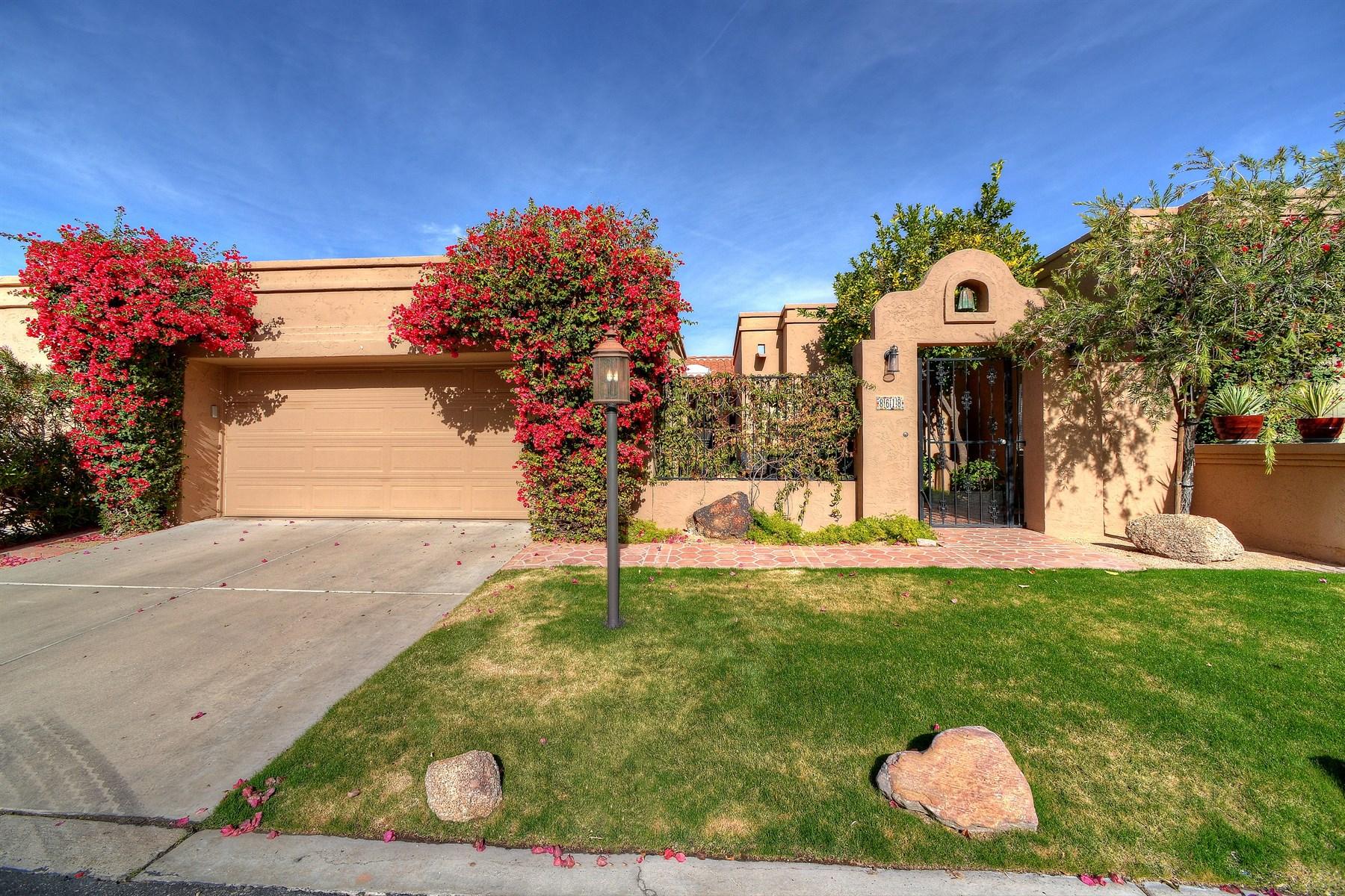Maison unifamiliale pour l Vente à Absolutely beautiful Patio home in the charming community of La Vida 8618 E VISTA DEL LAGO Scottsdale, Arizona, 85255 États-Unis