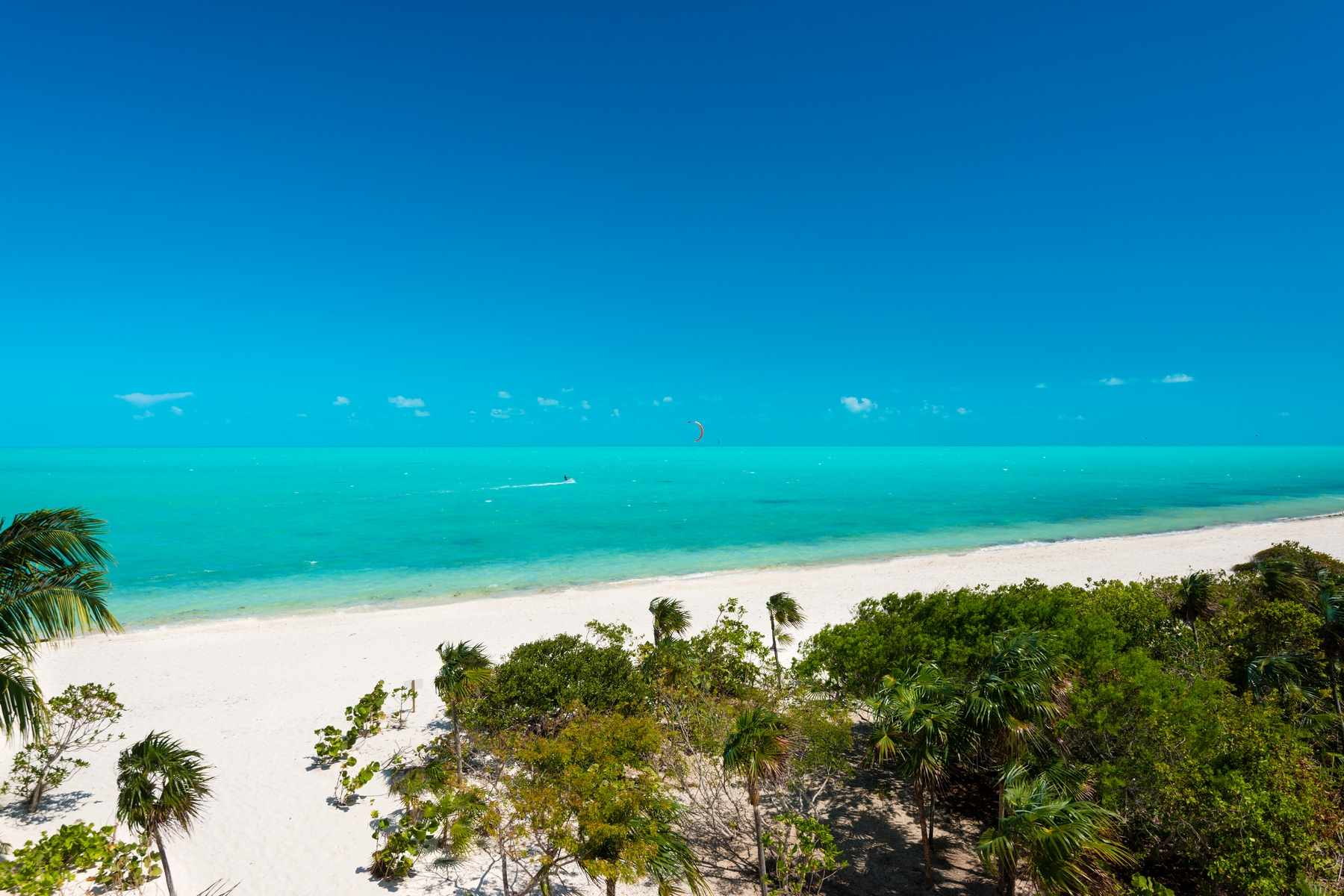 Additional photo for property listing at BEACH ENCLAVE LONG BAY - Design Two Beachfront Long Bay, Providenciales TCI Turks And Caicos Islands
