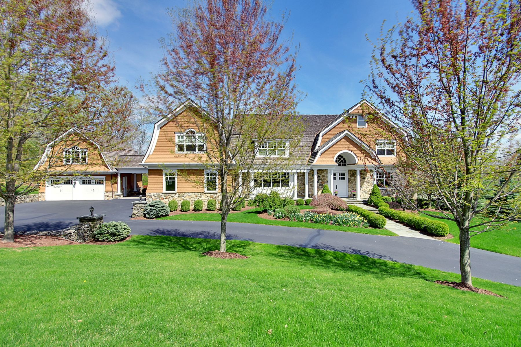 Single Family Home for Sale at Grand. Custom. Spacious. 55 Wisteria Way Basking Ridge, New Jersey 07920 United States