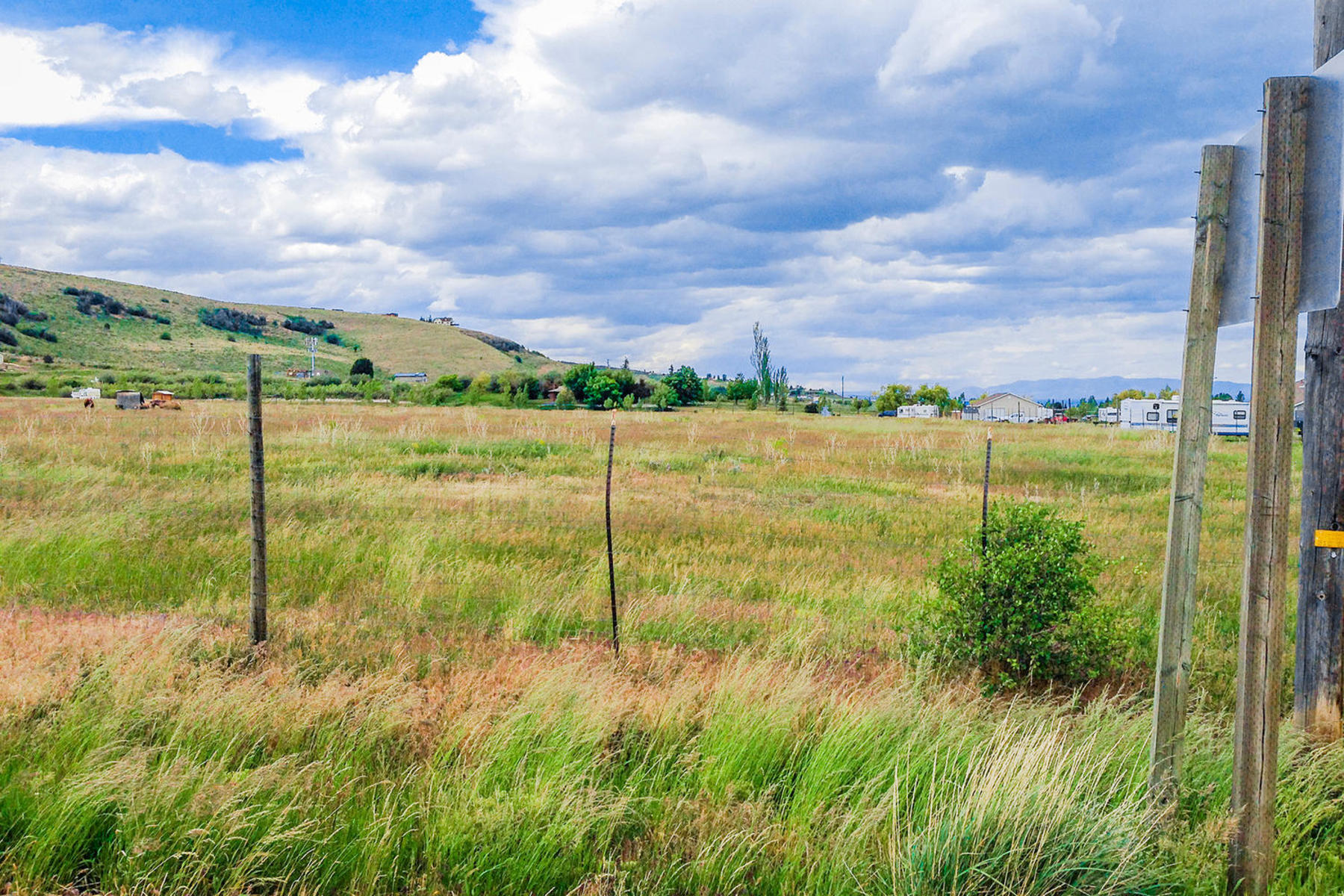 Terreno por un Venta en Amazing Investment Opportunity in the Heart of Garden City 375 W Highway 89 State Rd Lot 2 Garden City, Utah 84028 Estados Unidos