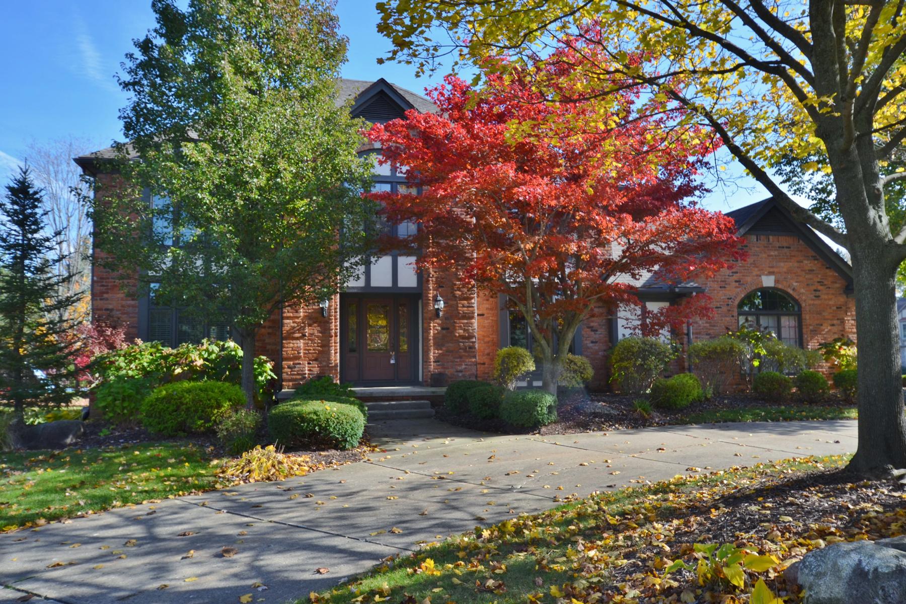 独户住宅 为 销售 在 Bloomfield 3231 Bloomfield Crossing 布洛姆费尔德, 密歇根州, 48304 美国