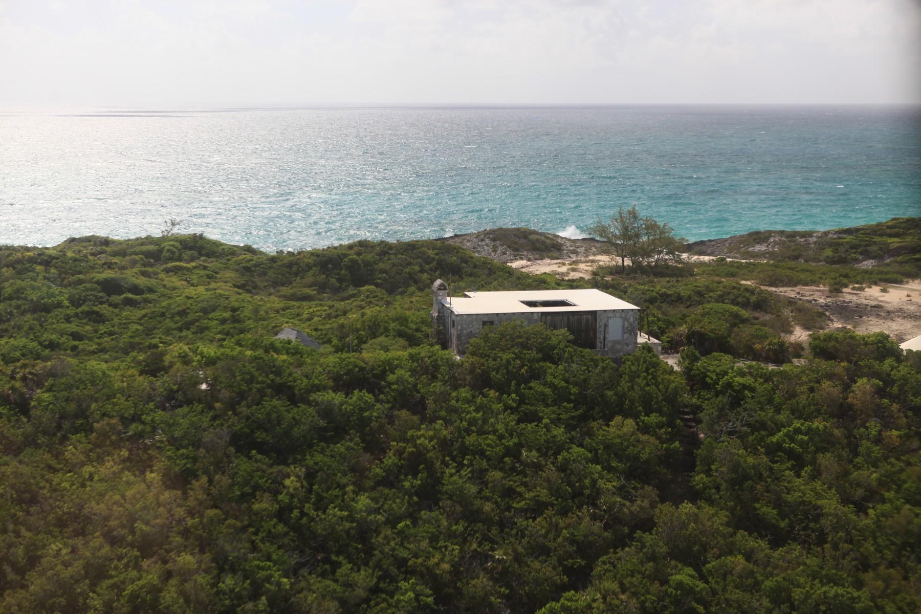 Additional photo for property listing at Saddleback Cay 埃克苏马群岛, 伊克苏马海 巴哈马