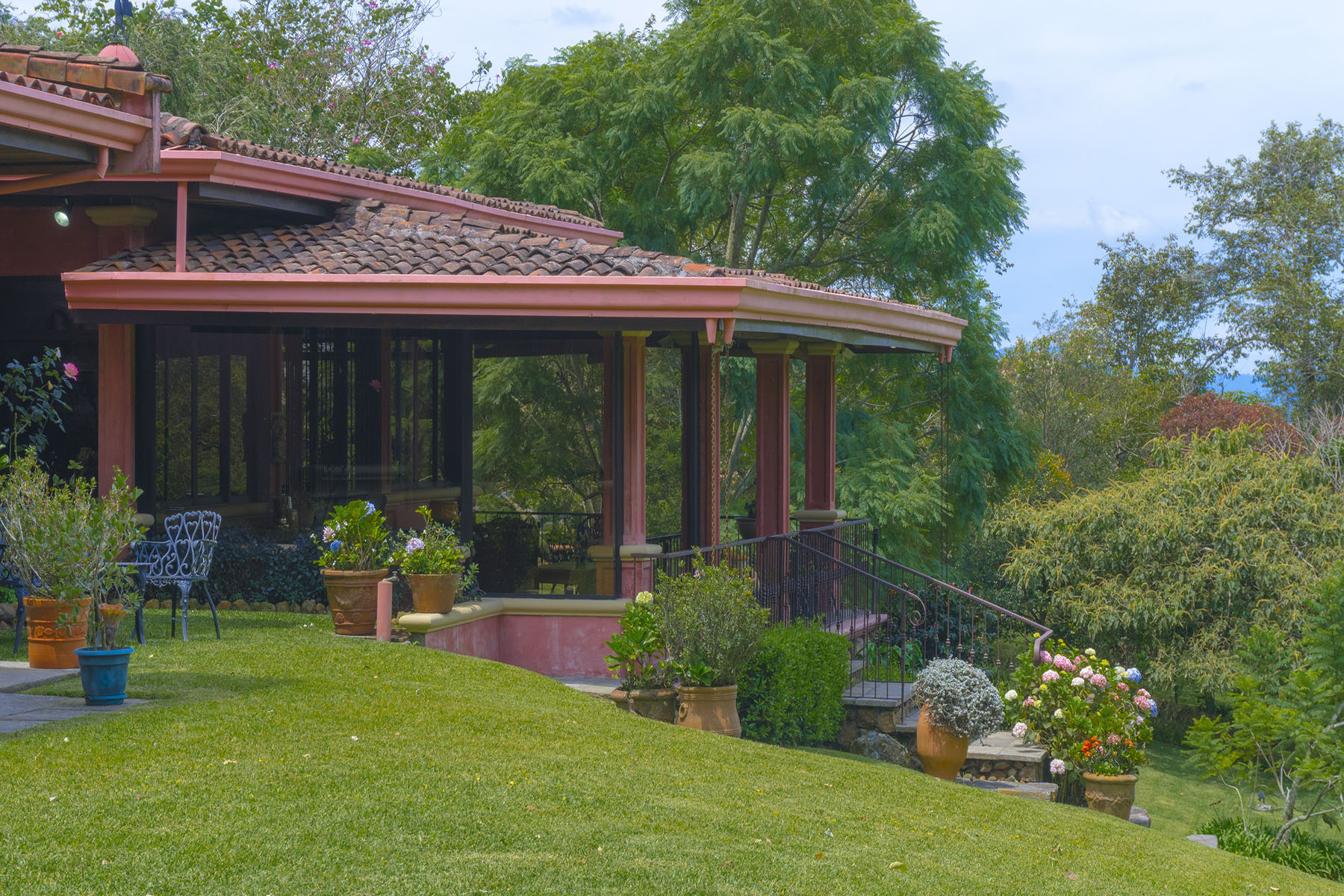 Additional photo for property listing at Puente de Piedra San Isidro, Heredia Costa Rica