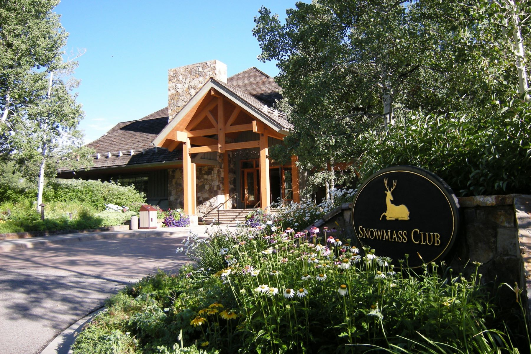 Fractional Ownership for Sale at Snowmass Private Residence Club, Unit 135 0239 Snowmass Club Circle, Unit 135 Interval Interest 2-95 Snowmass, Colorado, 81615 United States