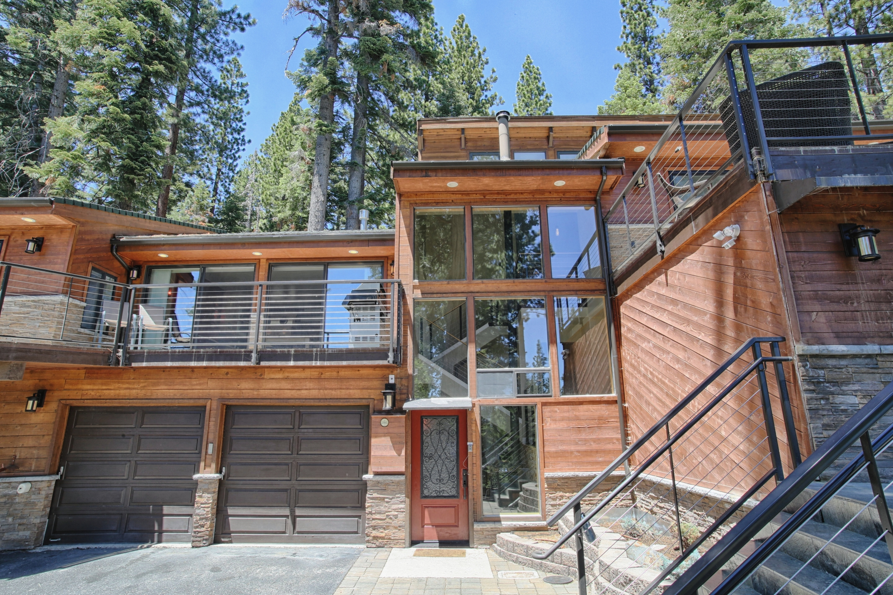 Moradia para Venda às 420 Cyrnos Way Tahoe City, Califórnia, 96145 Lake Tahoe, Estados Unidos