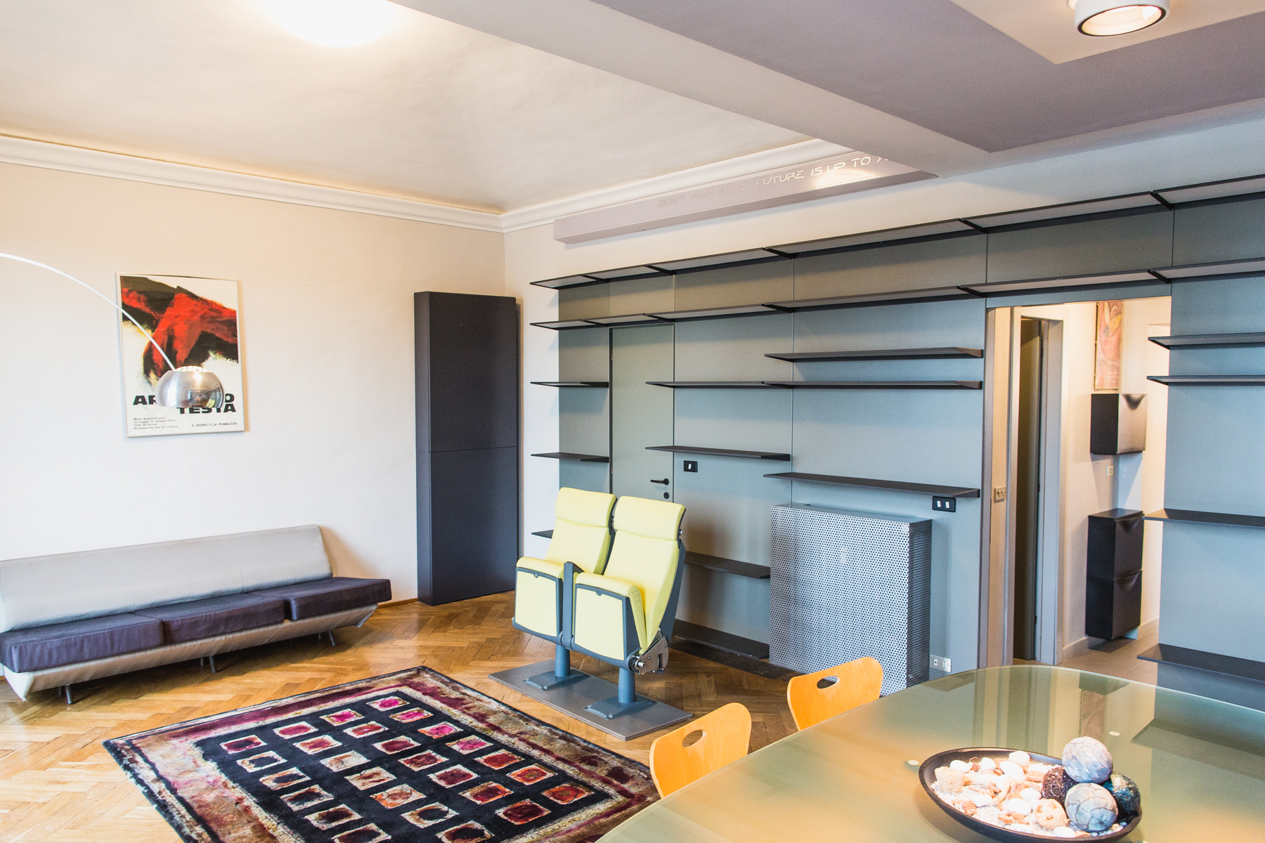 Additional photo for property listing at Essential and modern style apartment Corso Guglielmo Marconi Torino, Turin 10125 Italy