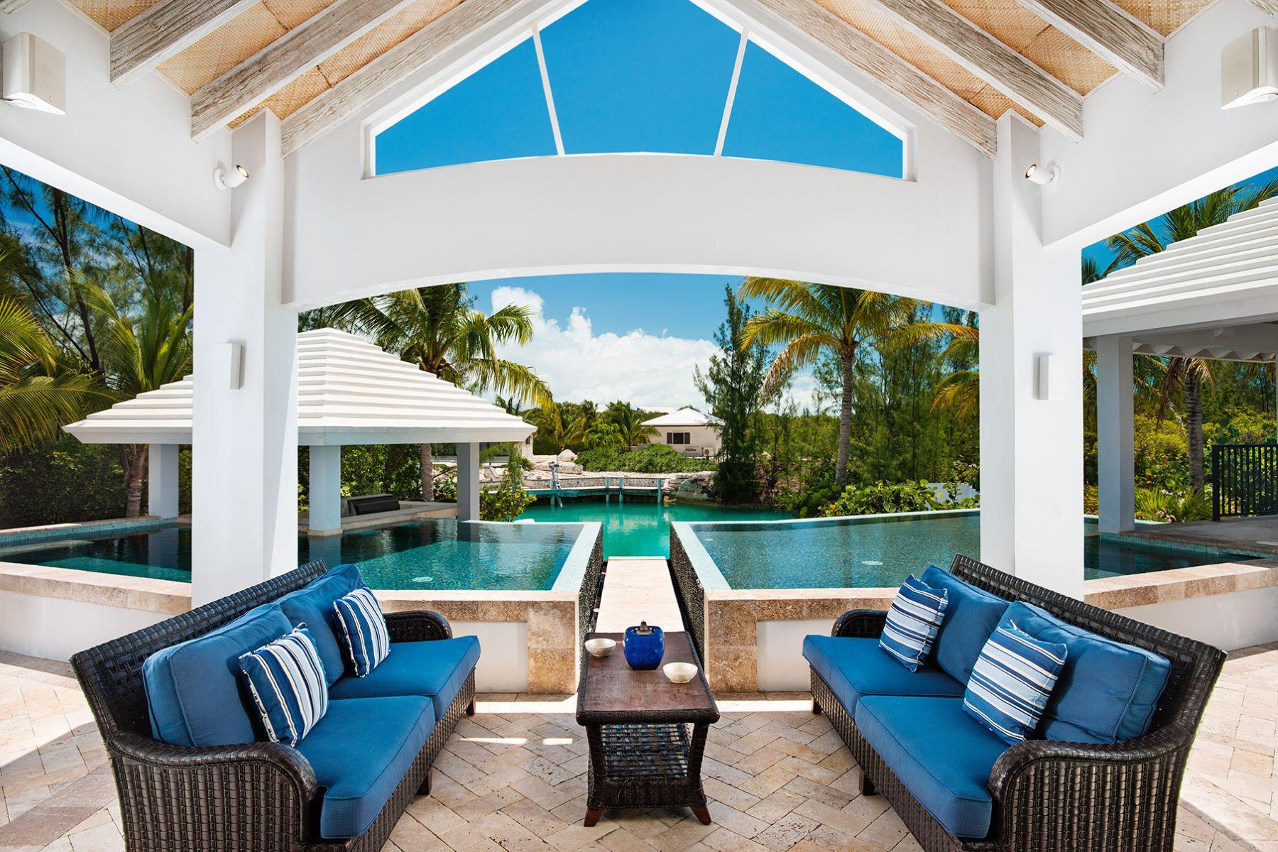 独户住宅 为 销售 在 Canalfront Home Governor's Road Leeward, 普罗维登夏, 特克斯和凯科斯群岛