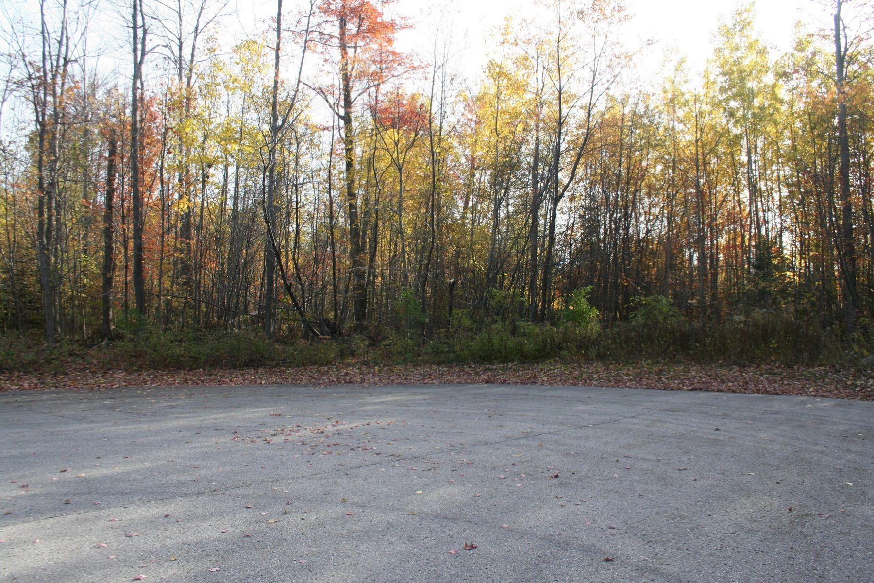 Additional photo for property listing at Coastal Cliffs 15 6173 Coastal Cliffs Bay Harbor, Michigan 49770 United States