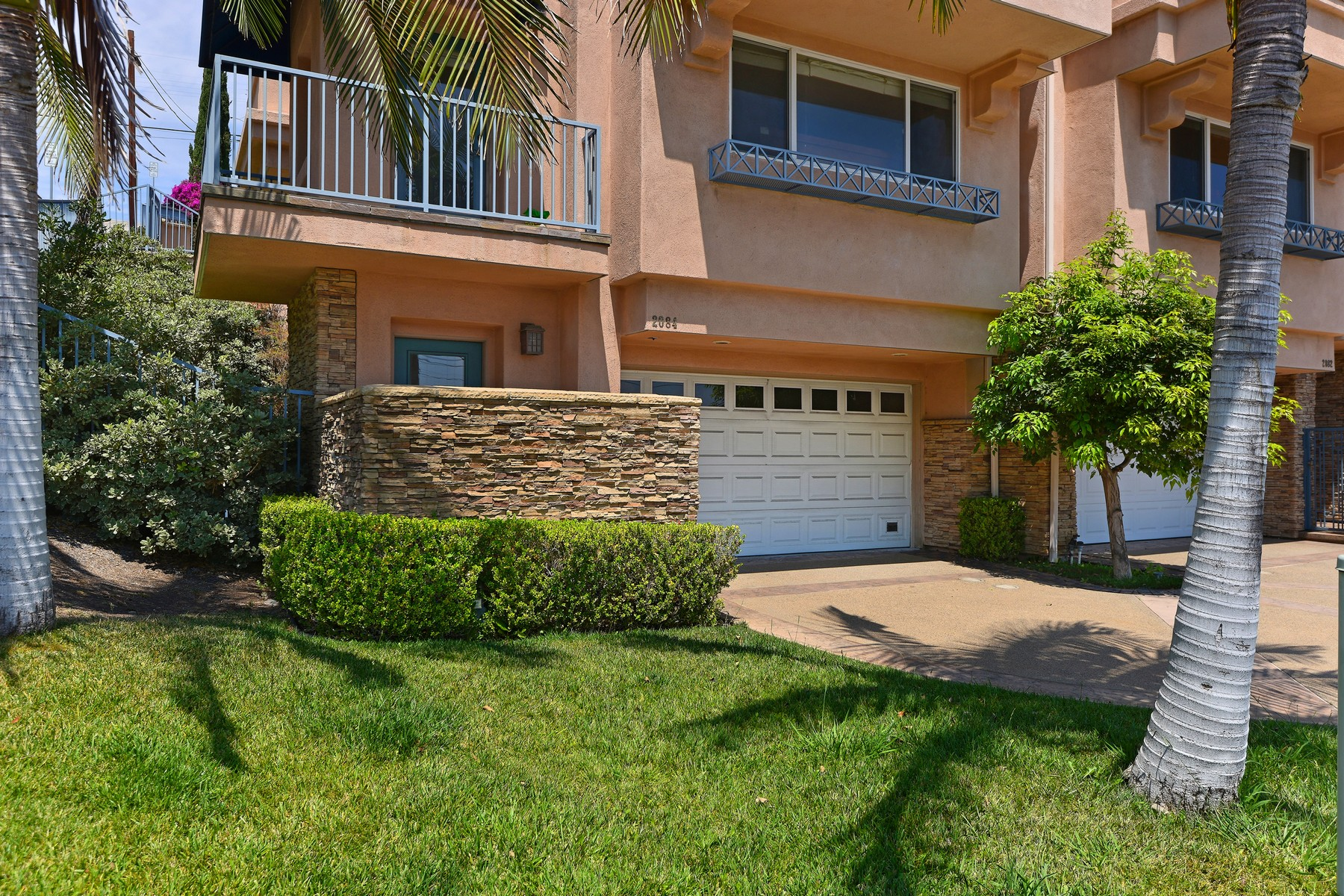 Additional photo for property listing at 2084 San Diego Avenue  San Diego, California 92110 United States