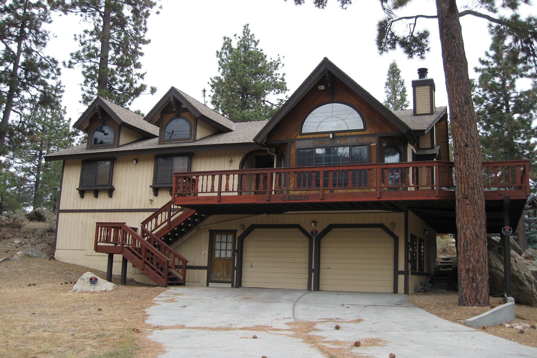 Single Family Home for Sale at 42225 North Shore Big Bear City, California 92314 United States