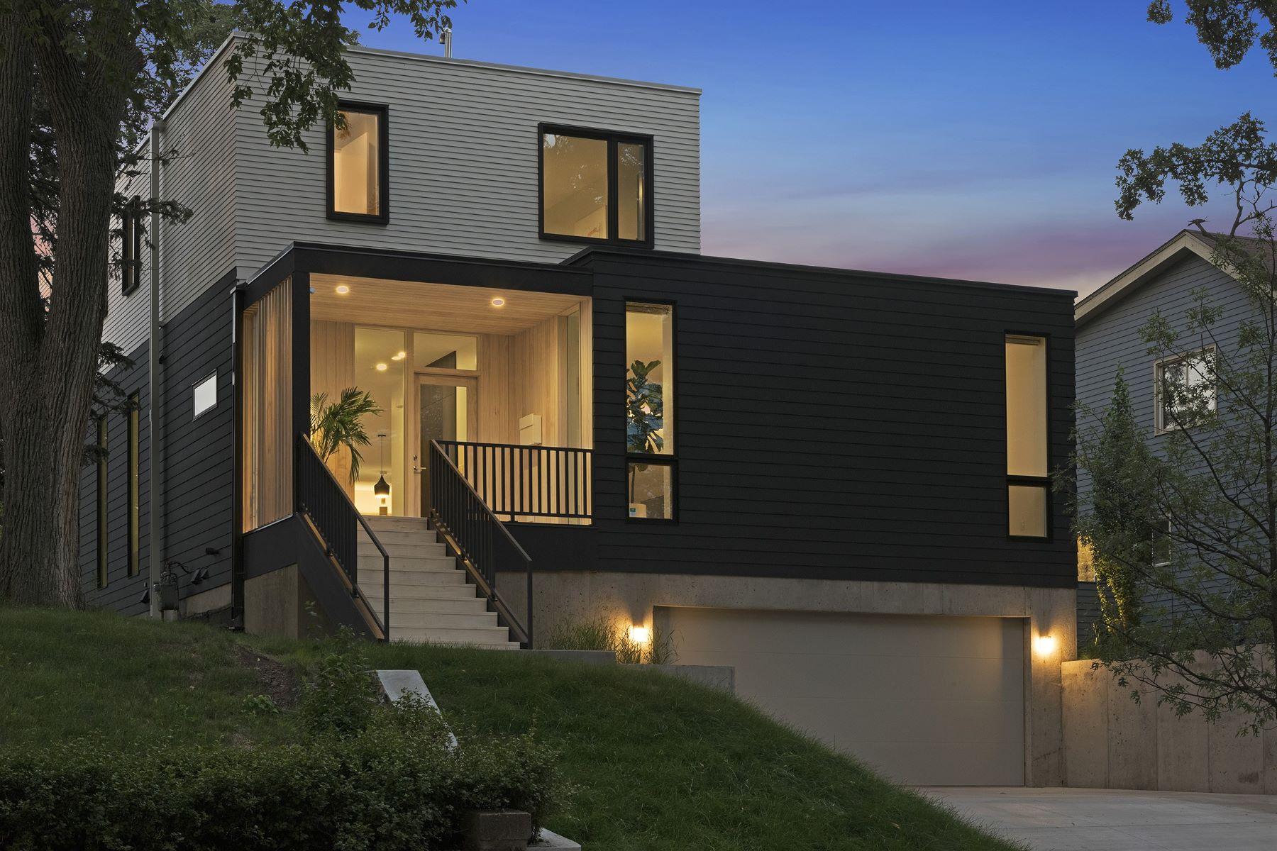 独户住宅 为 销售 在 4043 Abbott Ave S 4043 Abbott Avenue S 明尼阿波利斯市, 明尼苏达州, 55410 美国