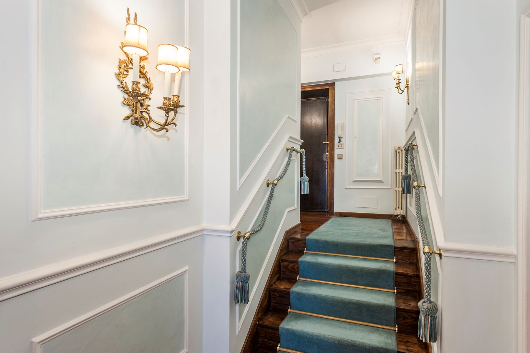 Additional photo for property listing at Charming apartment in the heart of Rome Rome, Rome Italie