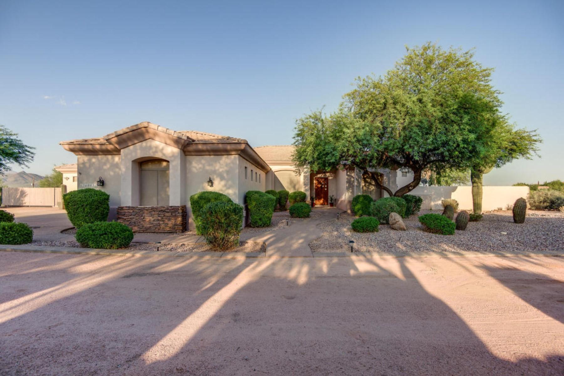 Casa Unifamiliar por un Venta en Single level custom home with amazing mountain views 36005 N 15Tth Ave Phoenix, Arizona, 85086 Estados Unidos