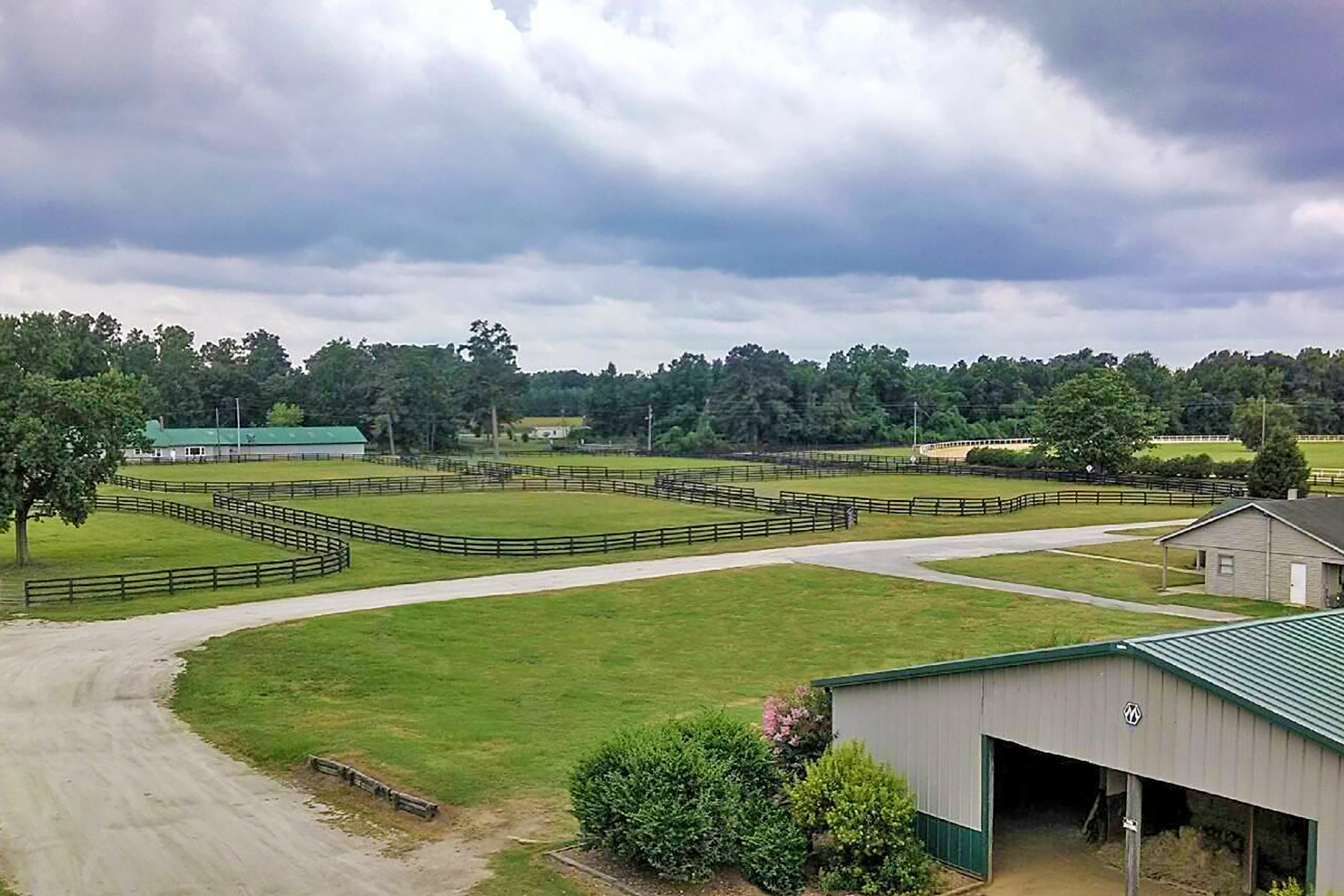 Farm / Ranch / Plantation للـ Sale في Holly Hill Equestrian Center 921 Rock Hill Road Holly Hill, South Carolina, 29059 United States