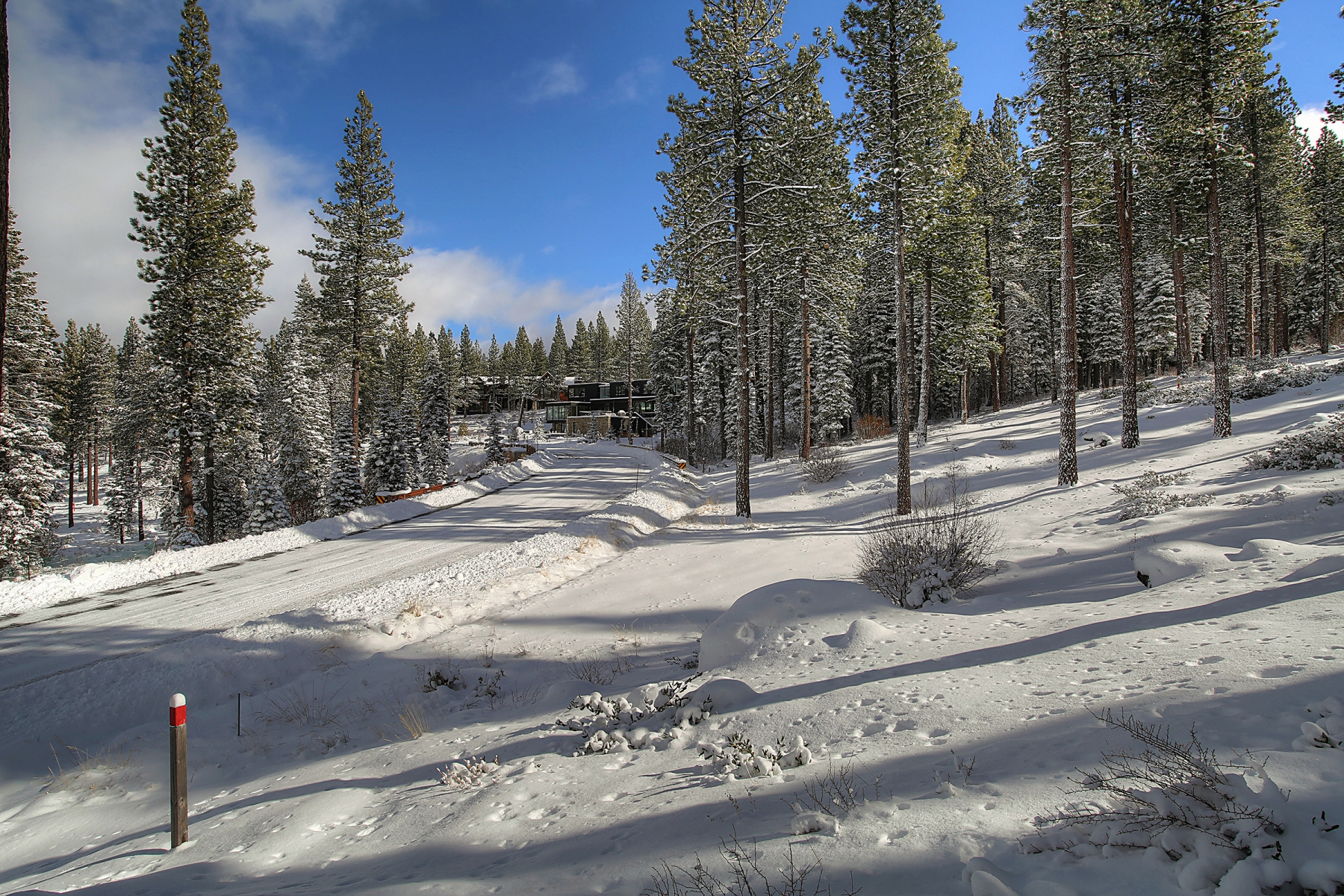 Additional photo for property listing at 8154 Villandry Drive 8154 Villandry Drive Truckee, California 96161 United States
