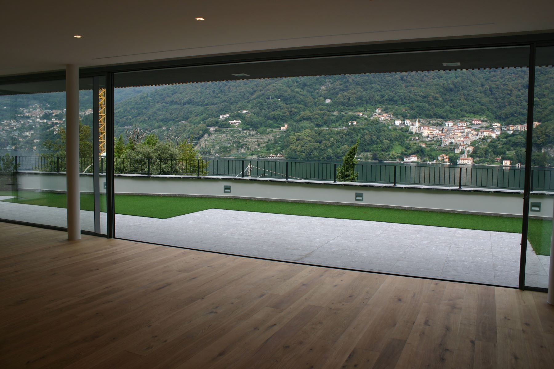Additional photo for property listing at Prestigious modern villa with private swimming pool and magnificent Lake views Laglio Laglio, Como 22010 Italy