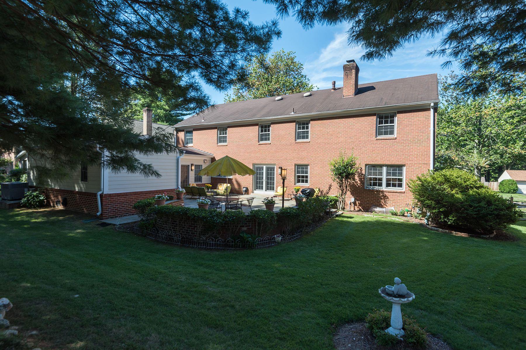 Additional photo for property listing at 9224 Falls Chapel Way, Potomac  Potomac, Maryland 20854 Estados Unidos