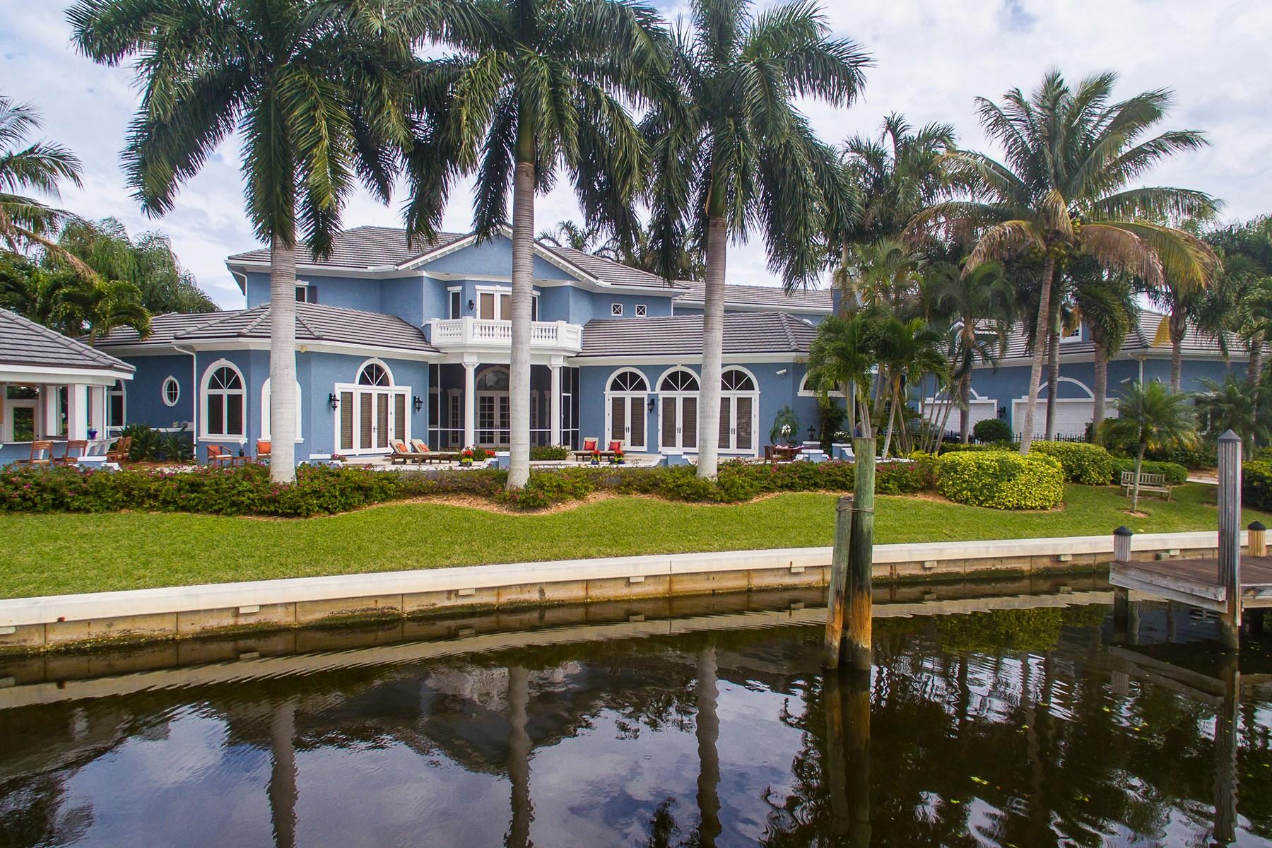 Maison unifamiliale pour l Vente à Yachtsman Dream Home in the Moorings 101 Springline Drive Vero Beach, Florida, 32963 États-Unis