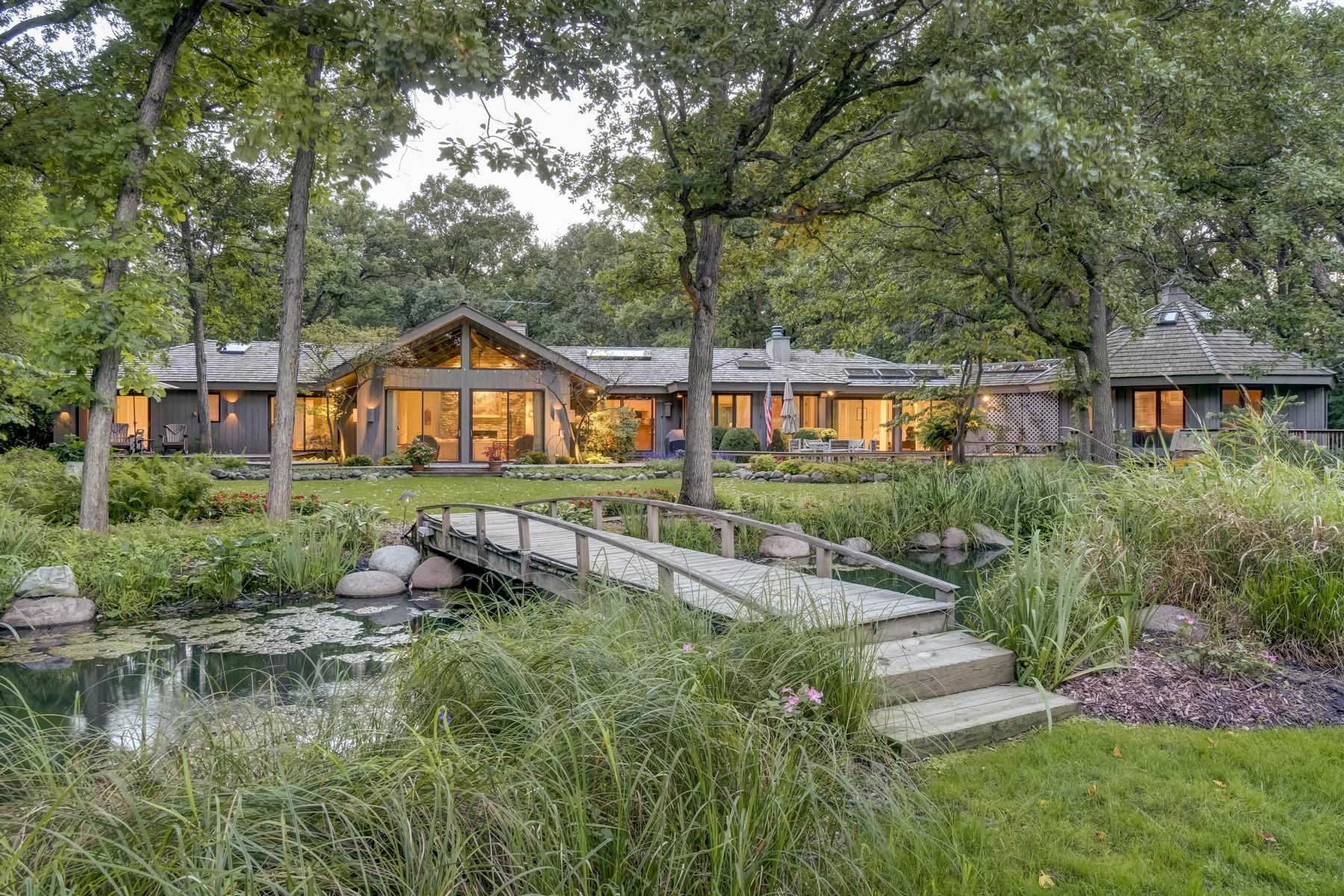 Maison unifamiliale pour l Vente à Sprawling Ranch 1910 Duffy Lane Bannockburn, Illinois, 60015 États-Unis