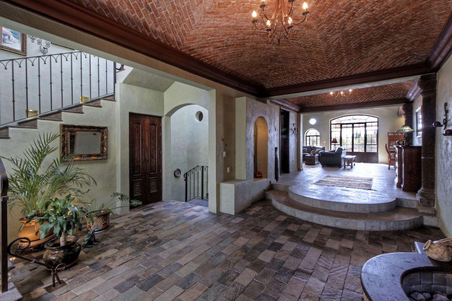 Частный односемейный дом для того Продажа на Casa San Miguelito Los Frailes, San Miguel De Allende, Guanajuato Мексика