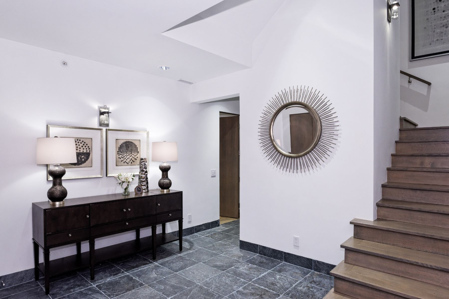 Additional photo for property listing at Custom Contemporary Townhome in Downtown Aspen 132 North Spring Street Aspen, Colorado 81611 United States