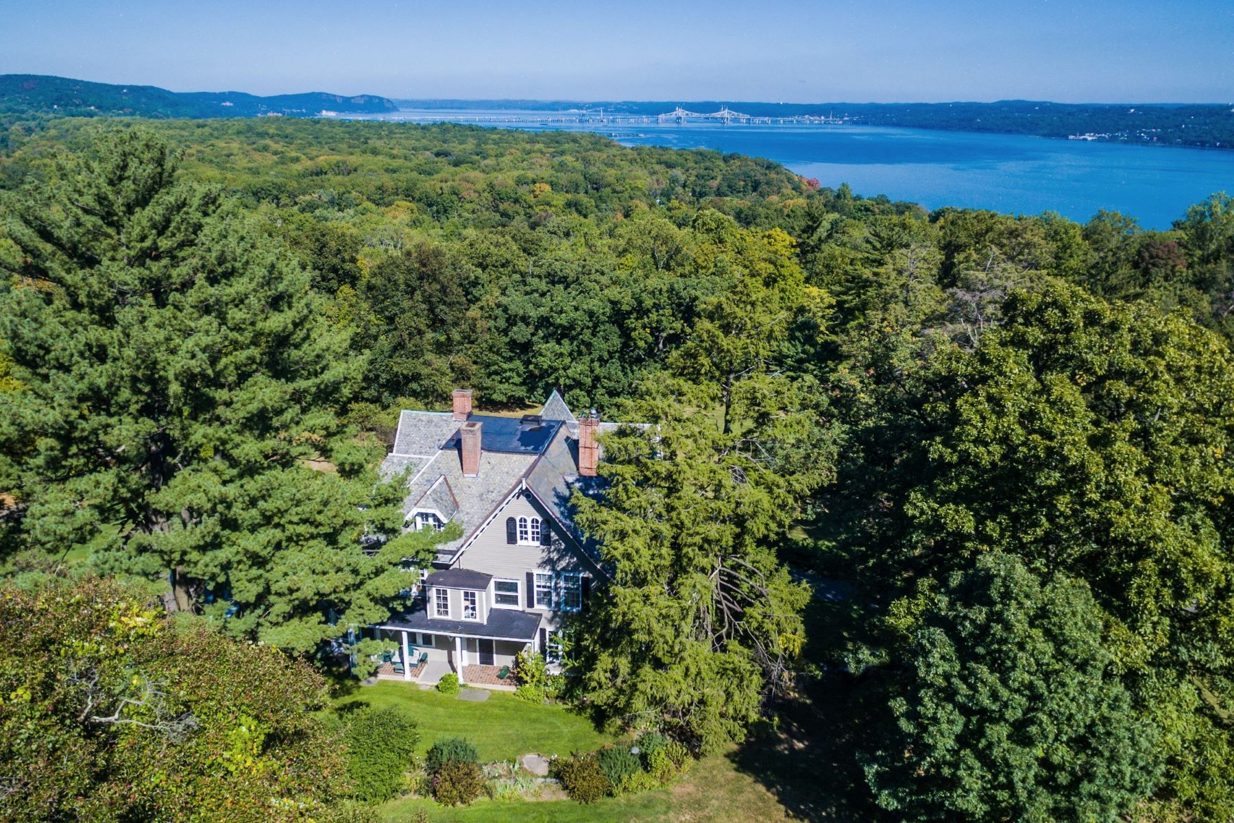 """Additional photo for property listing at """"Seven Oaks"""" 64 Ludlow Lane Palisades, New York 10964 United States"""