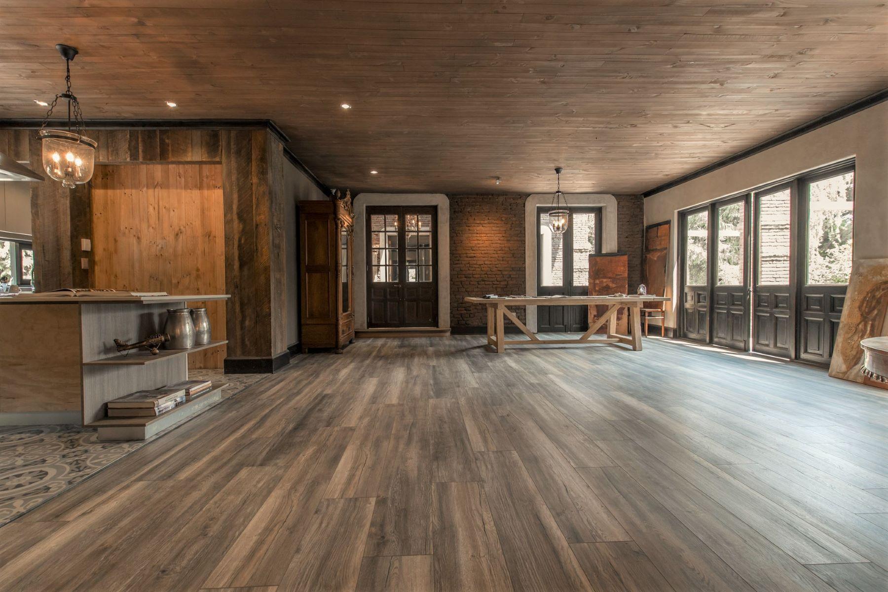 واحد منزل الأسرة للـ Sale في Unique New Medieval Style House Colina, Region Metropolitana De Santiago, Chile