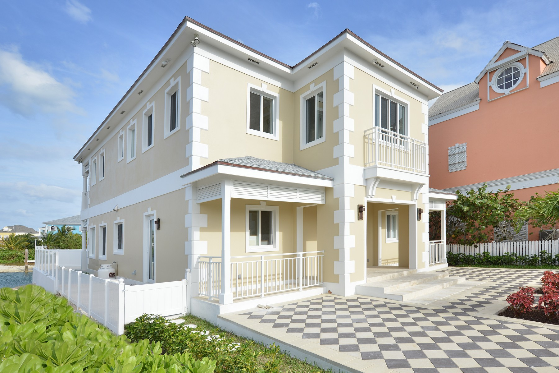 Single Family Home for Sale at Kingfisher Island, Sandyport Sandyport, Cable Beach, Nassau And Paradise Island Bahamas