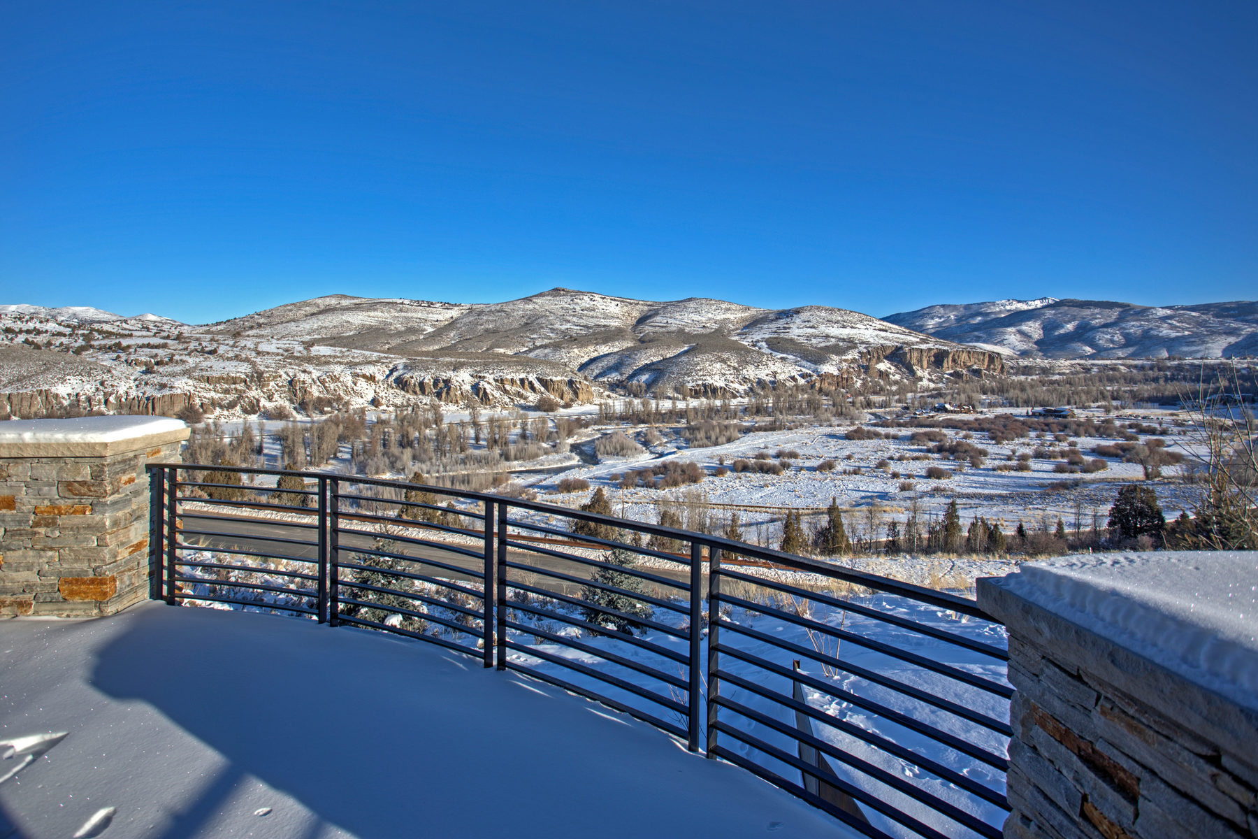 Additional photo for property listing at New Construction, Custom Home with Panoramic River and  Mountain Views 5950 Caddis Cir Heber City, Utah 84032 United States