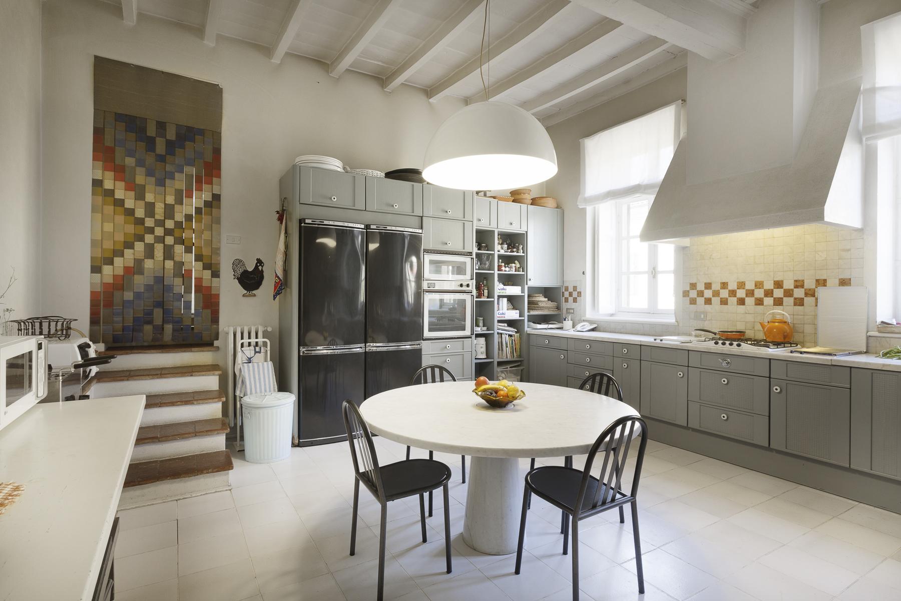 Additional photo for property listing at A fascinating XVII century Villa in Revigliasco Hill Strada Moncalieri Revigliasco, Turin 10024 Italie
