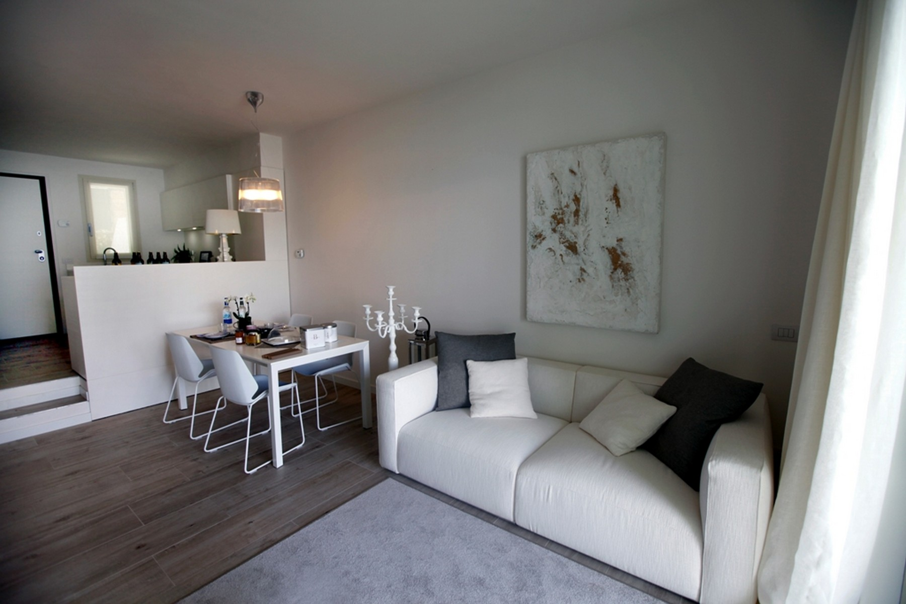 Additional photo for property listing at Splendid semi-independent villa directly on the lake Località Bagnana Lezzeno, Como 22025 Italia