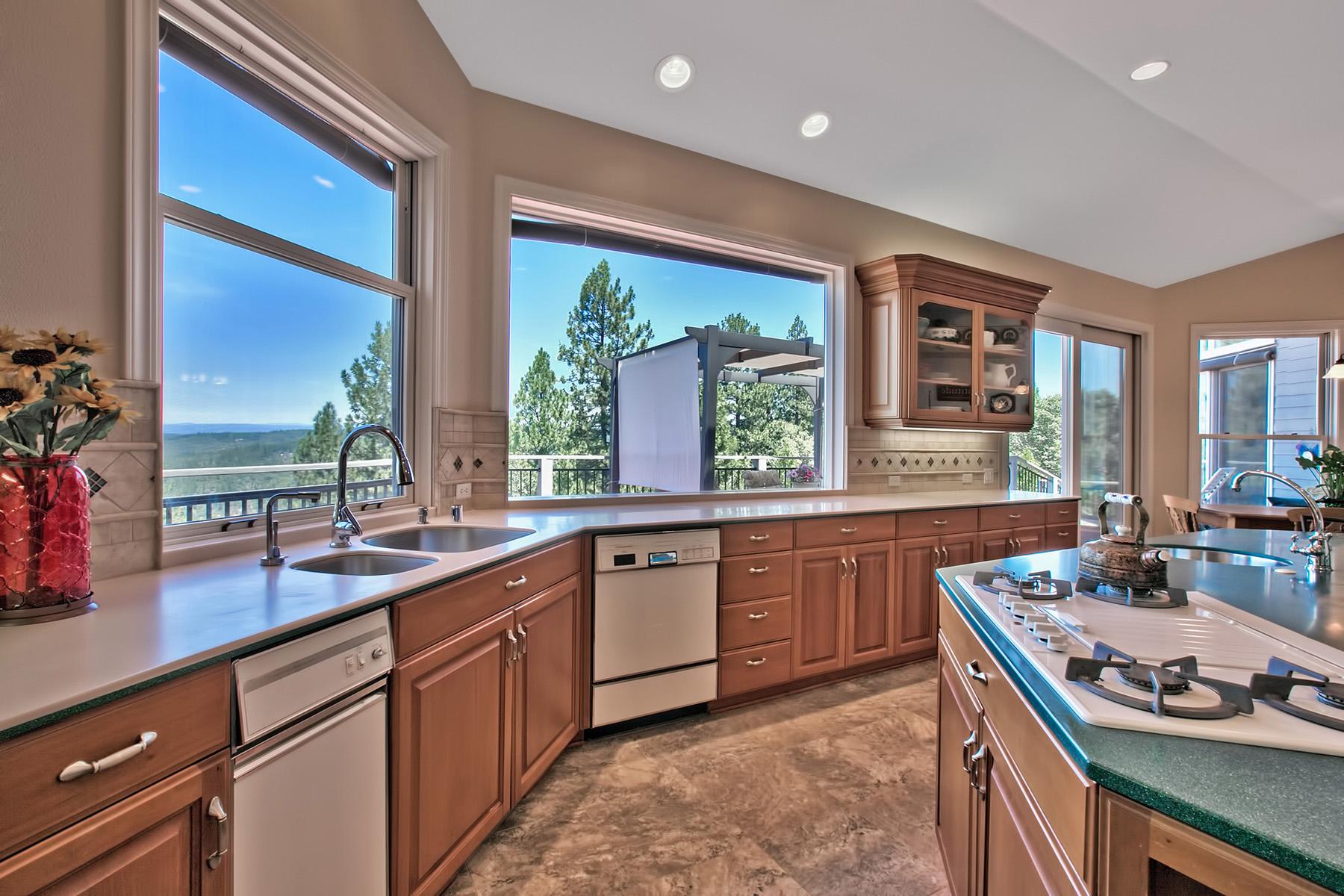 Casa Unifamiliar por un Venta en 108 Sierra Blanca Court Grass Valley, California 95945 Estados Unidos