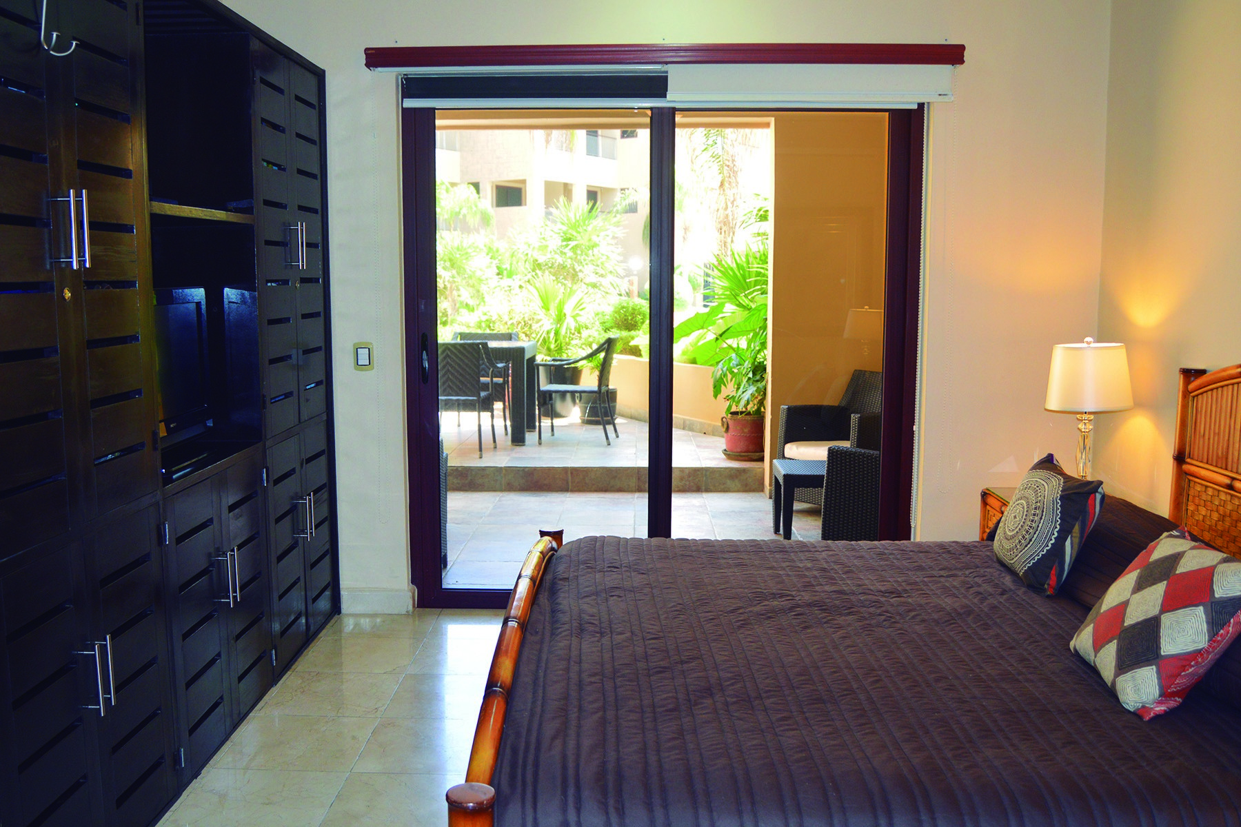 Additional photo for property listing at CONDOMINIO DE FRENTE DE PLAYA EN UBICACIÓN PRIVILEGIADA Beachfront home in a privileged location North 8th Street & 10th Playa Del Carmen, Quintana Roo 77710 México