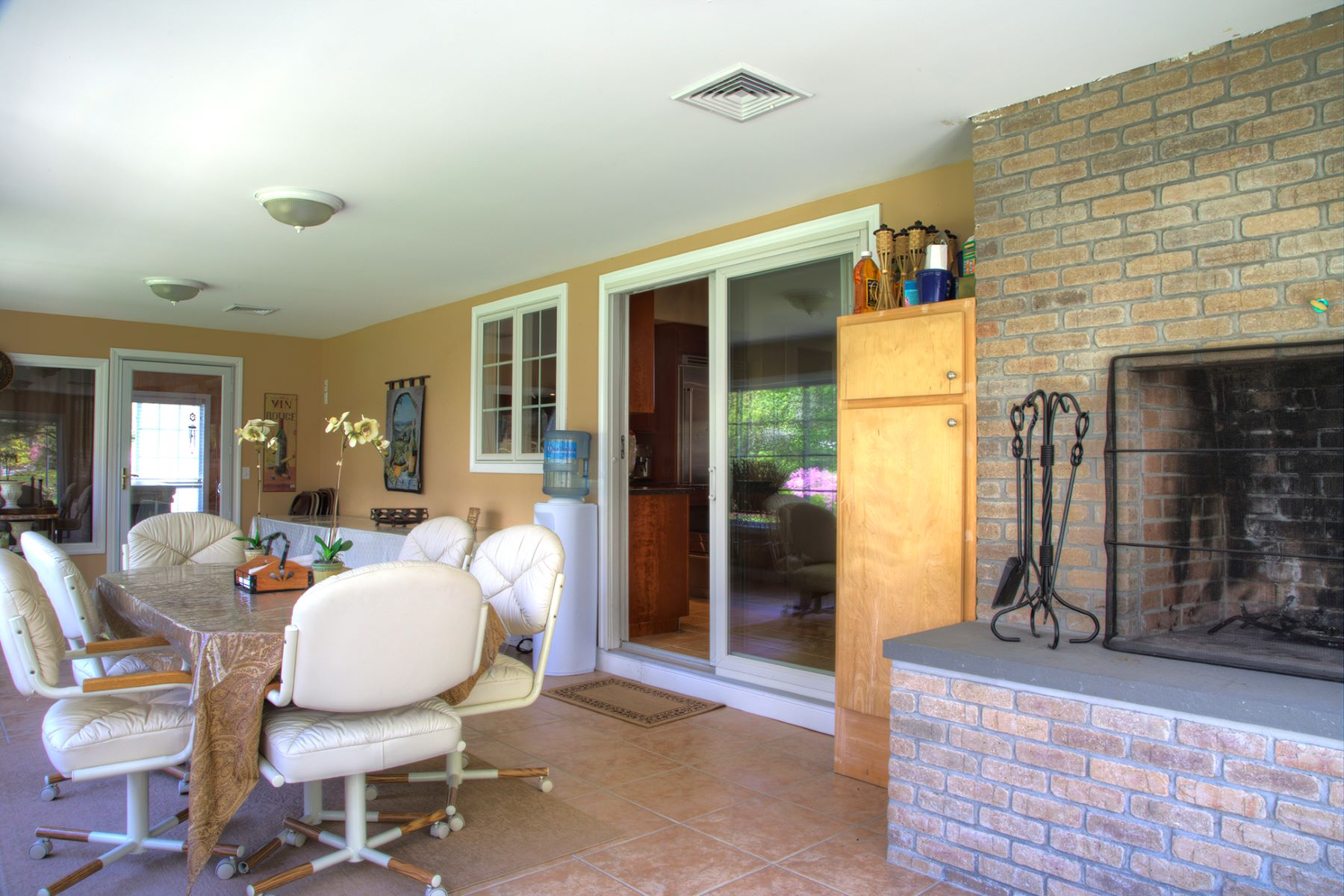 Additional photo for property listing at Winnapaug 12 Wicklow Road Westerly, Rhode Island 02891 Estados Unidos