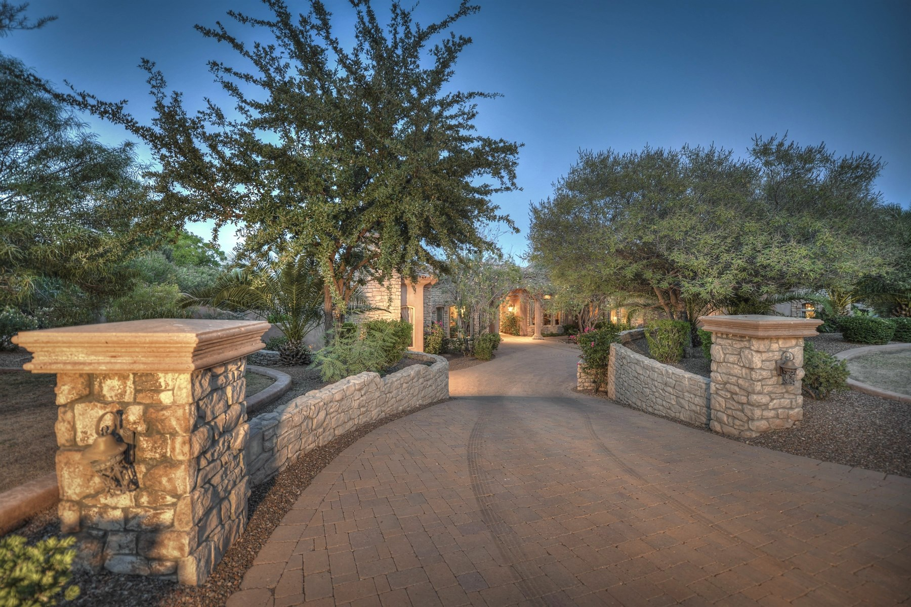 Casa Unifamiliar por un Venta en Truly Magnificent Mediterranean Estate 8305 N Ridgeview Dr Paradise Valley, Arizona, 85253 Estados Unidos