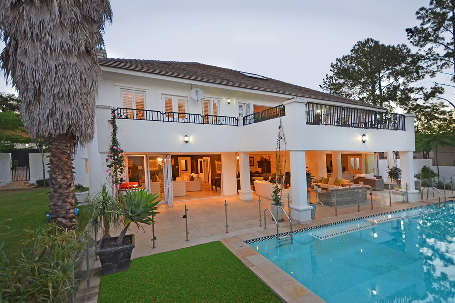 Maison unifamiliale pour l Vente à Bryanston Johannesburg, Gauteng, Afrique Du Sud