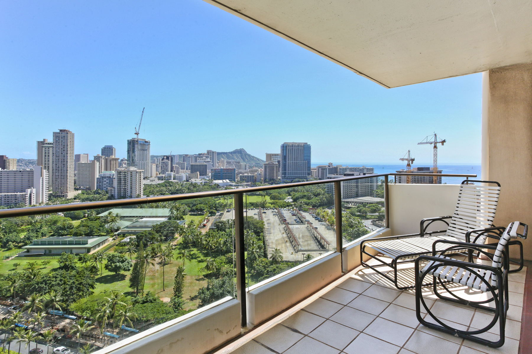 Copropriété pour l Vente à Picturesque Wailana at Waikiki Penthouse 1860 Ala Moana Boulevard #PH 2301 Waikiki, Honolulu, Hawaii, 96815 États-Unis