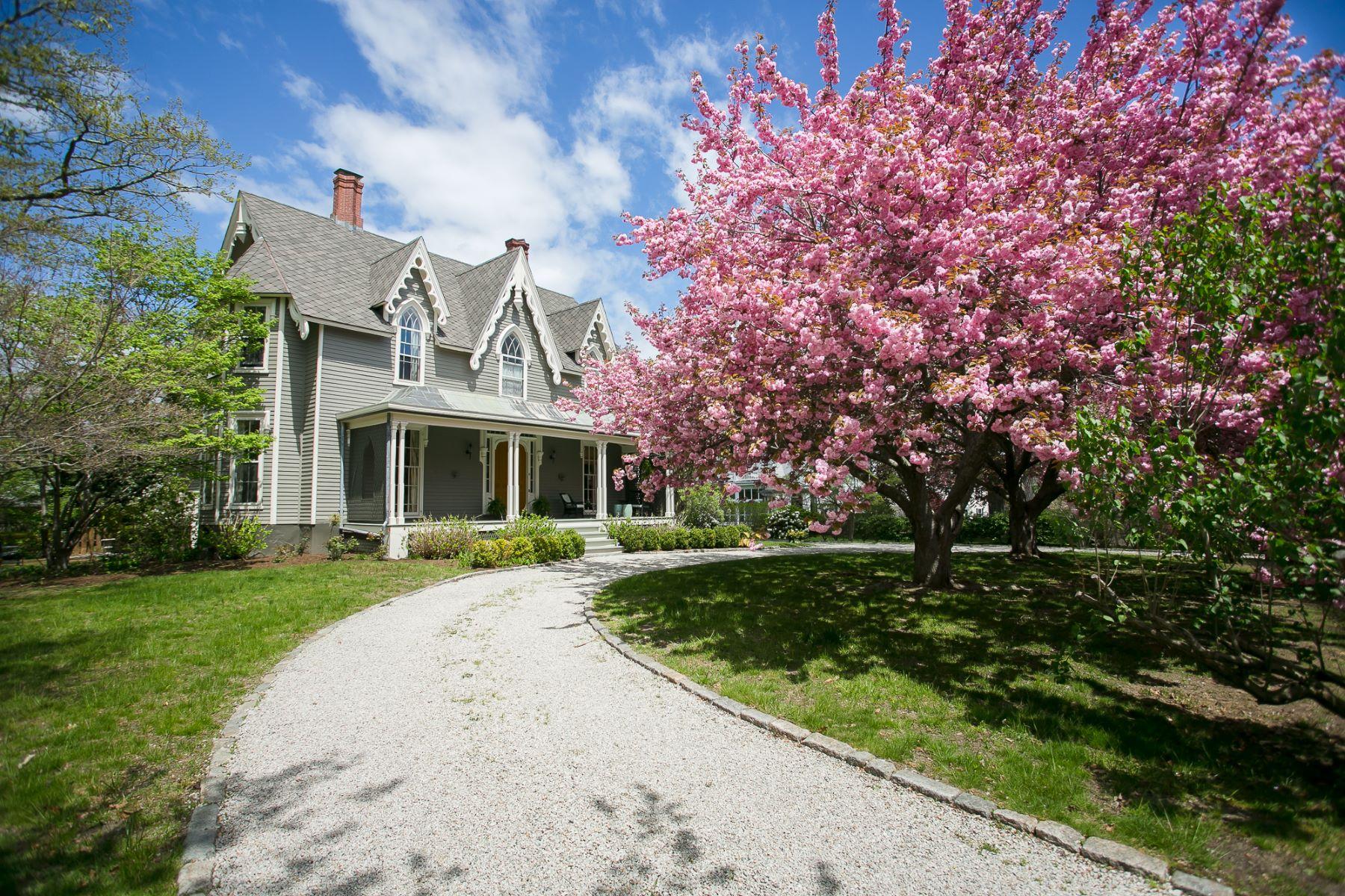 Casa Unifamiliar por un Venta en Daniel Swinburne House 6 Greenough Place Newport, Rhode Island 02840 Estados Unidos