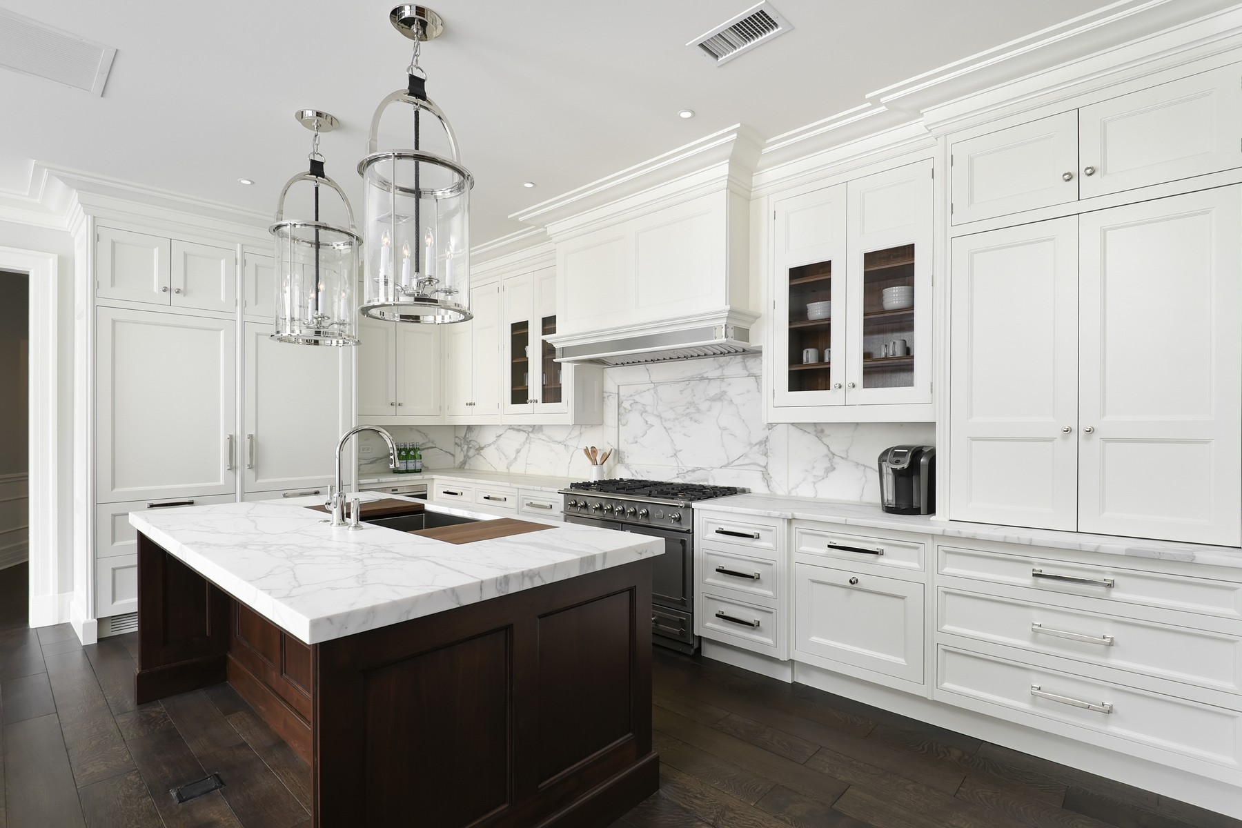 Additional photo for property listing at The Gold Coast's Newest and Finest Building 9 W Walton Street Unit 2201 Chicago, Illinois 60610 United States
