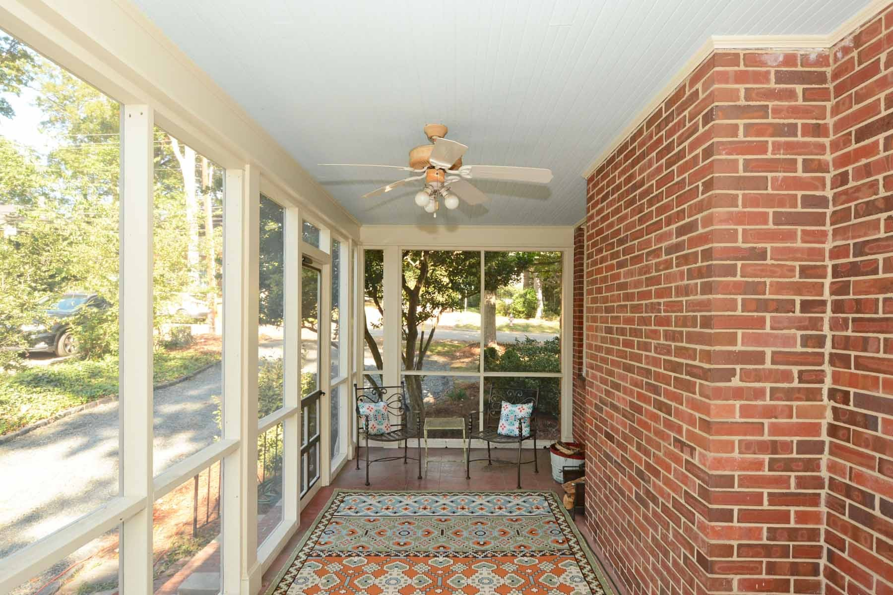Additional photo for property listing at 2400 Anderson Drive  罗利, 北卡罗来纳州 27608 美国