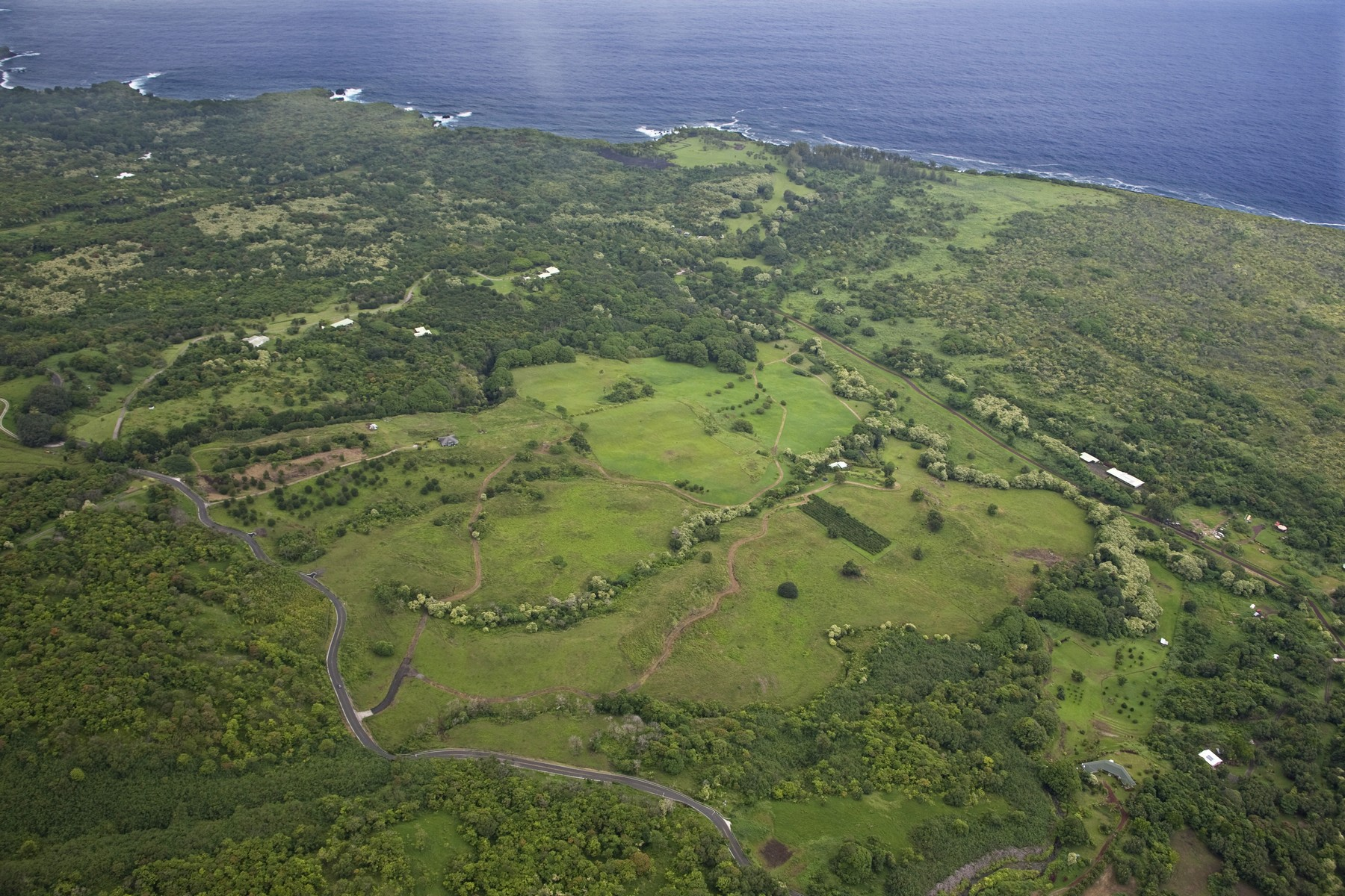 Земля для того Продажа на 125 Acres-7 Lot Subdivision-Tropical East Maui, Hawaii 0 Hana Highway Hana, Гавайи, 96713 Соединенные Штаты