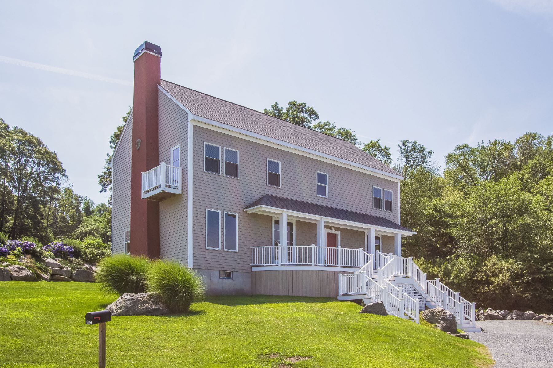 Casa Unifamiliar por un Venta en Splendid Bay Views 187 Horizon Drive Tiverton, Rhode Island 02878 Estados Unidos