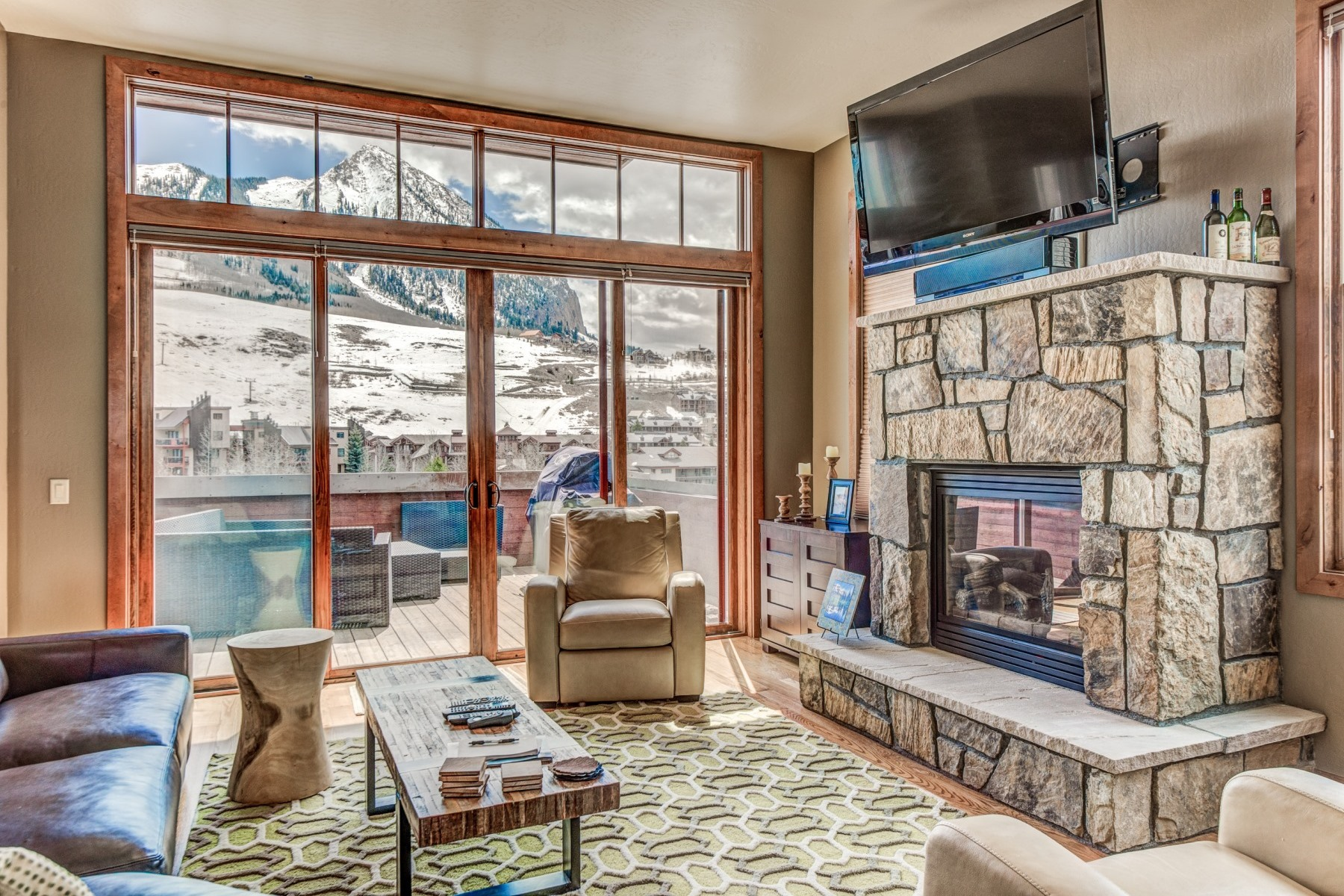 Casa unifamiliar adosada (Townhouse) por un Venta en Sophisticated Townhouse 118 Snowmass Road Unit 23A Mount Crested Butte, Colorado, 81225 Estados Unidos