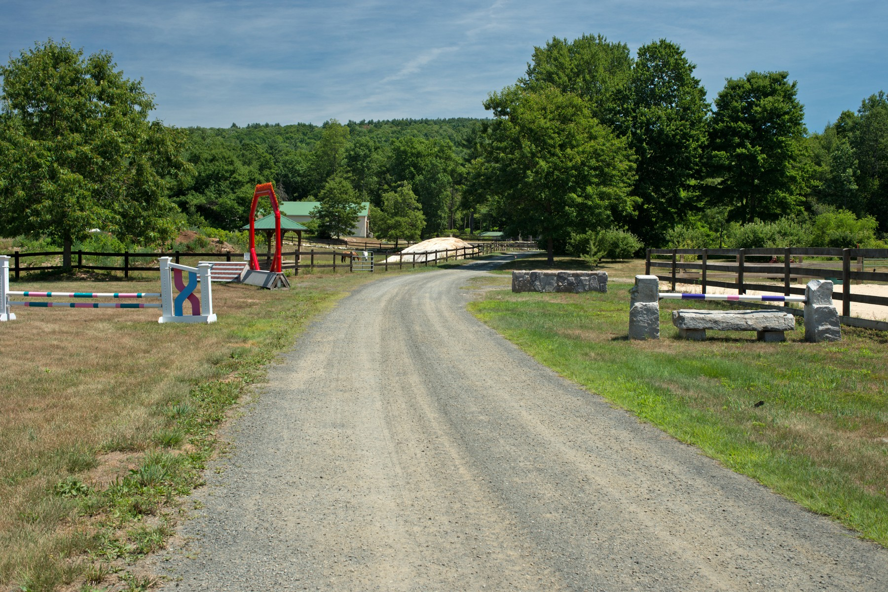 Additional photo for property listing at Well Thought Out Equestrian Property 1206 Federal Street Belchertown, Массачусетс 01007 Соединенные Штаты