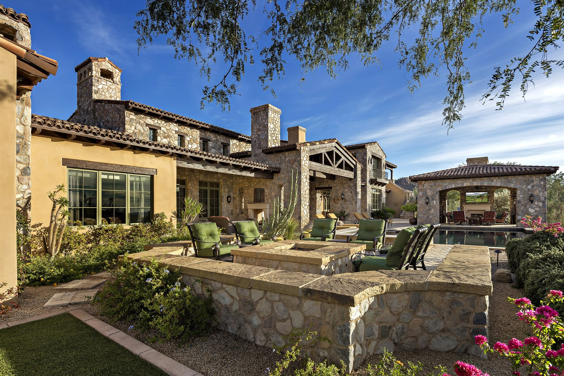 sales property at Spectacular Calvis Wyant estate