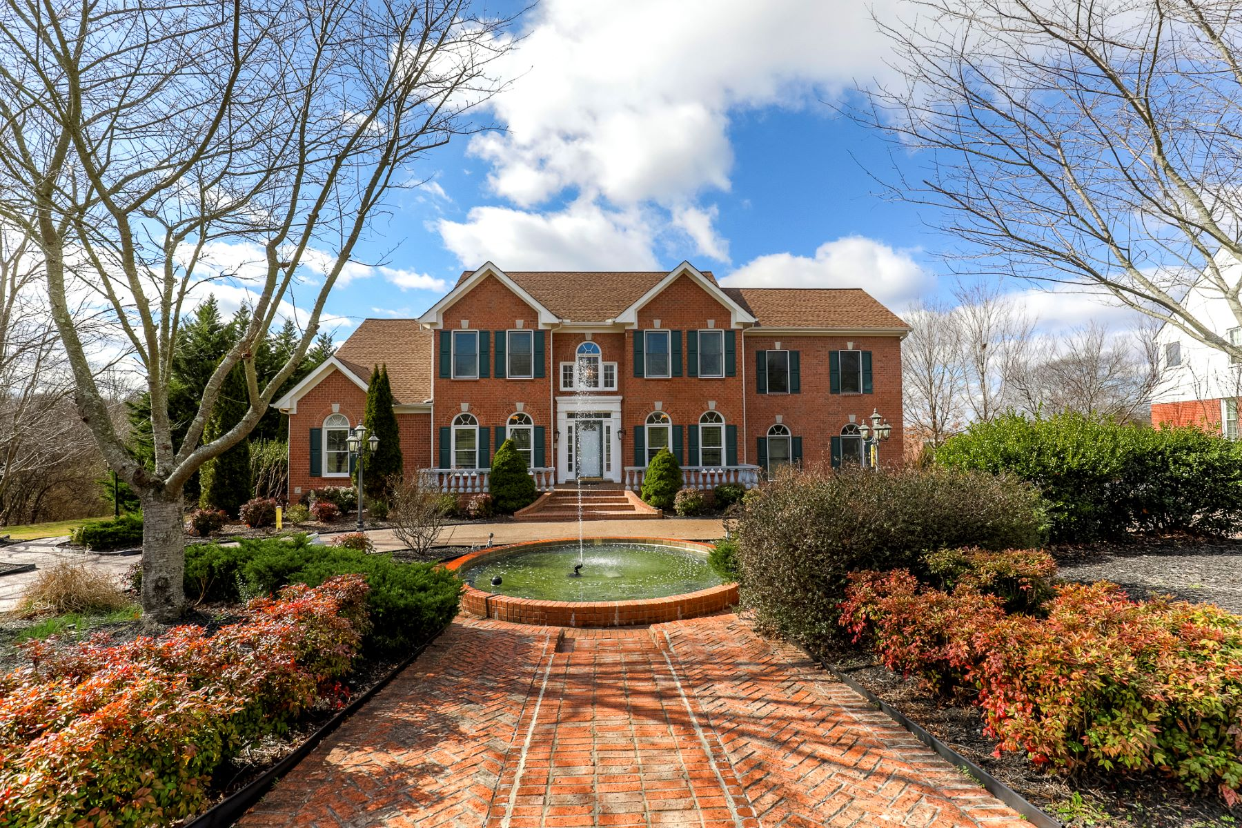 Single Family Home for Sale at Spacious Georgian Style Home in Franklin 209 Springhouse Court Franklin, Tennessee, 37067 United States