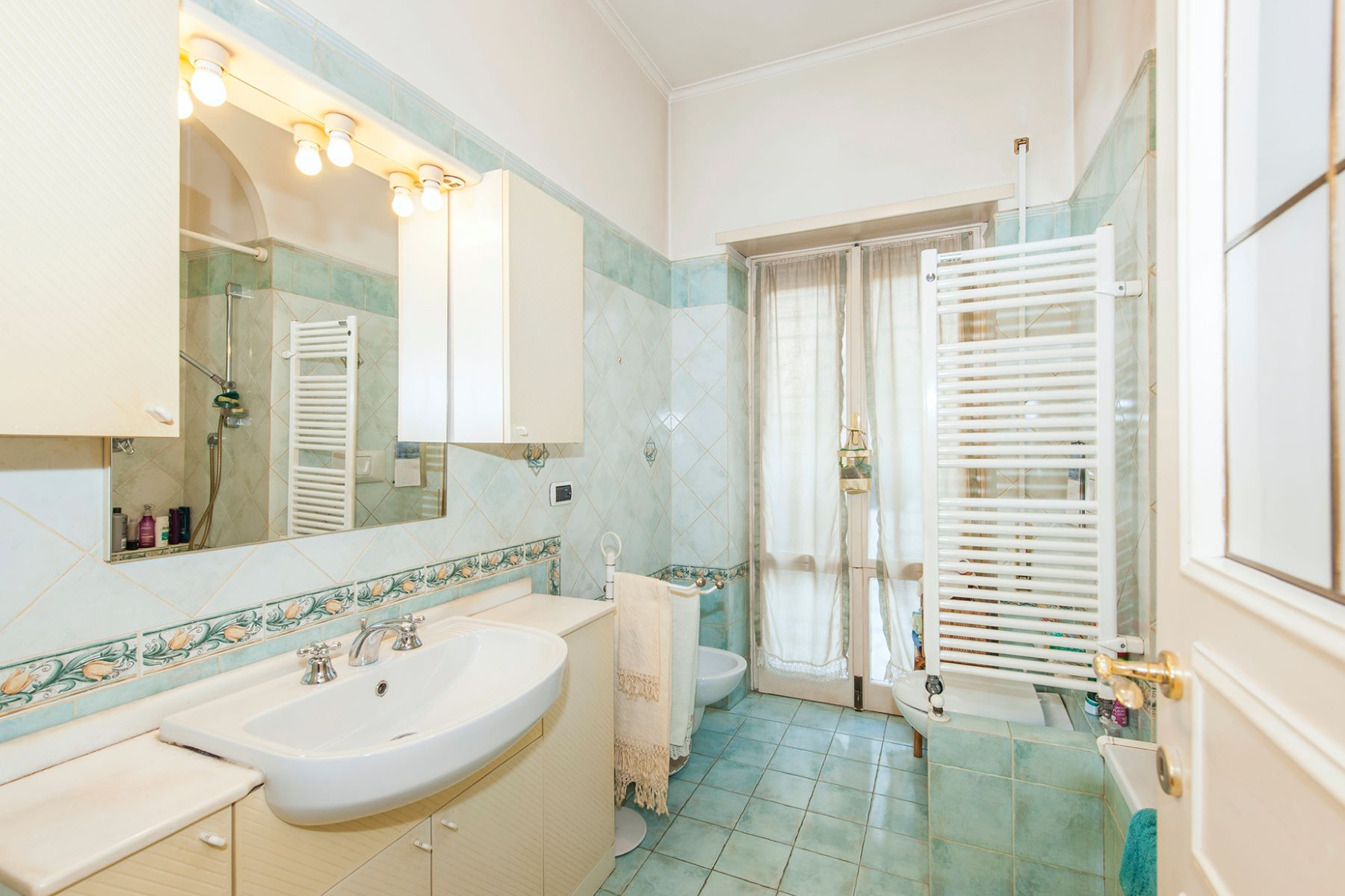 Additional photo for property listing at Elegant apartment in the green Rome, Rome Italien