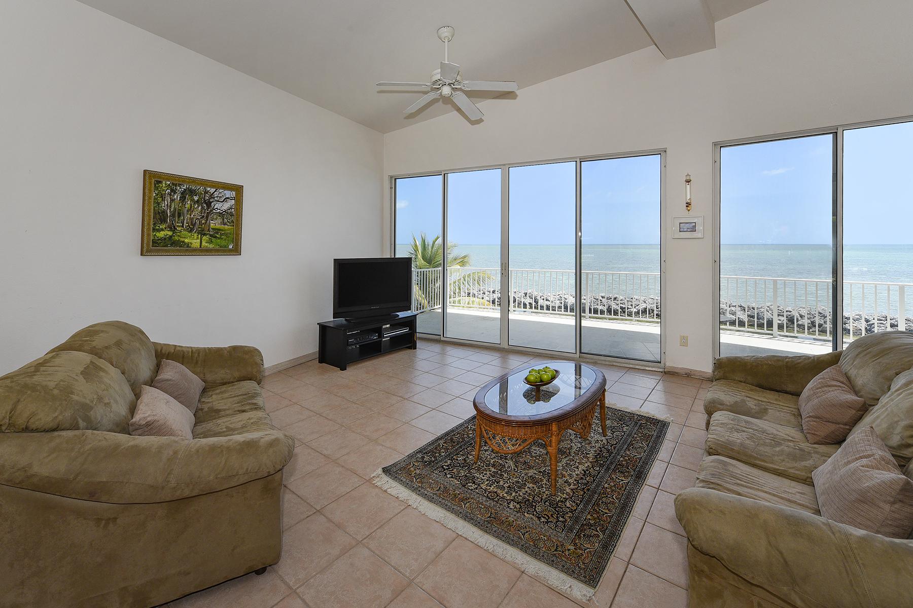 Additional photo for property listing at Sweeping Ocean Views 208 Plantation Shores Drive Islamorada, Florida 33070 Usa